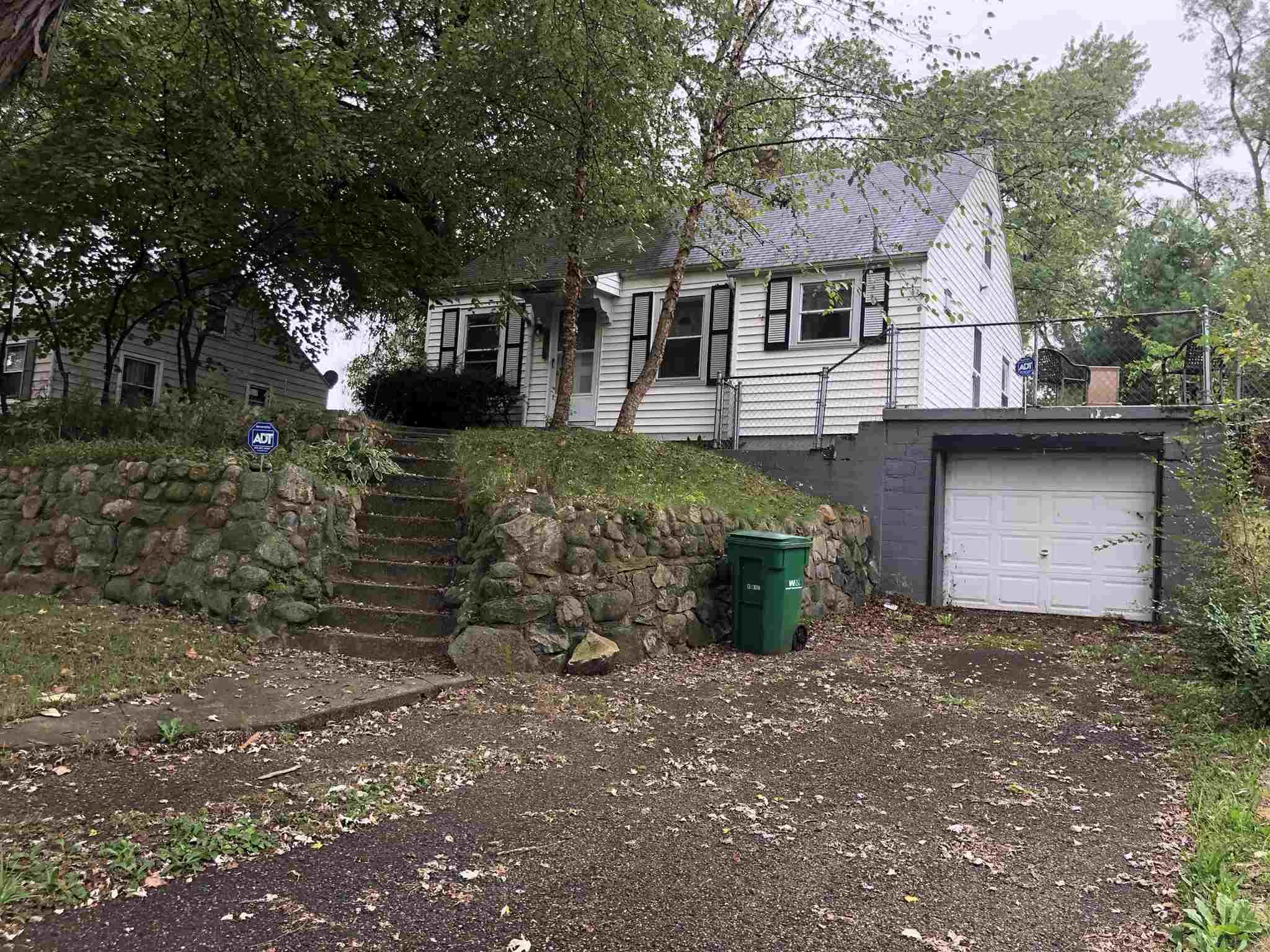 54169 Maple Lane South Bend, IN 46635