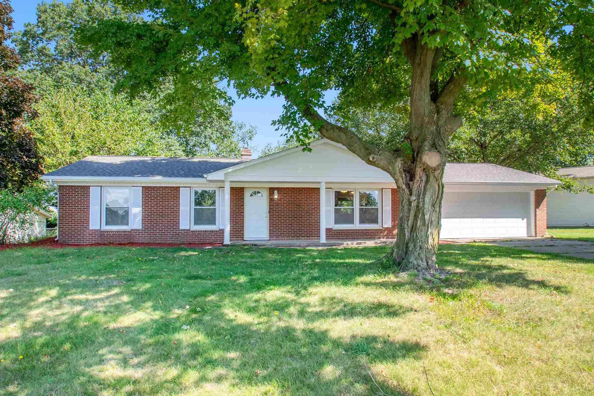 52710 Walsingham South Bend, IN 46637