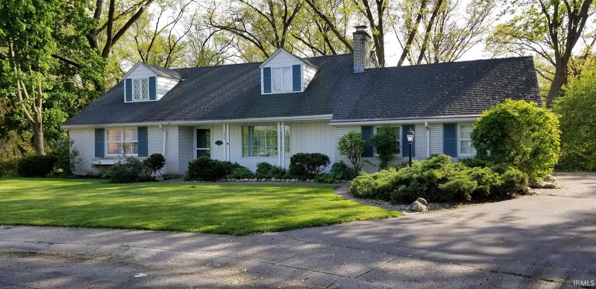 1824 Ridgewood South Bend, IN 46617