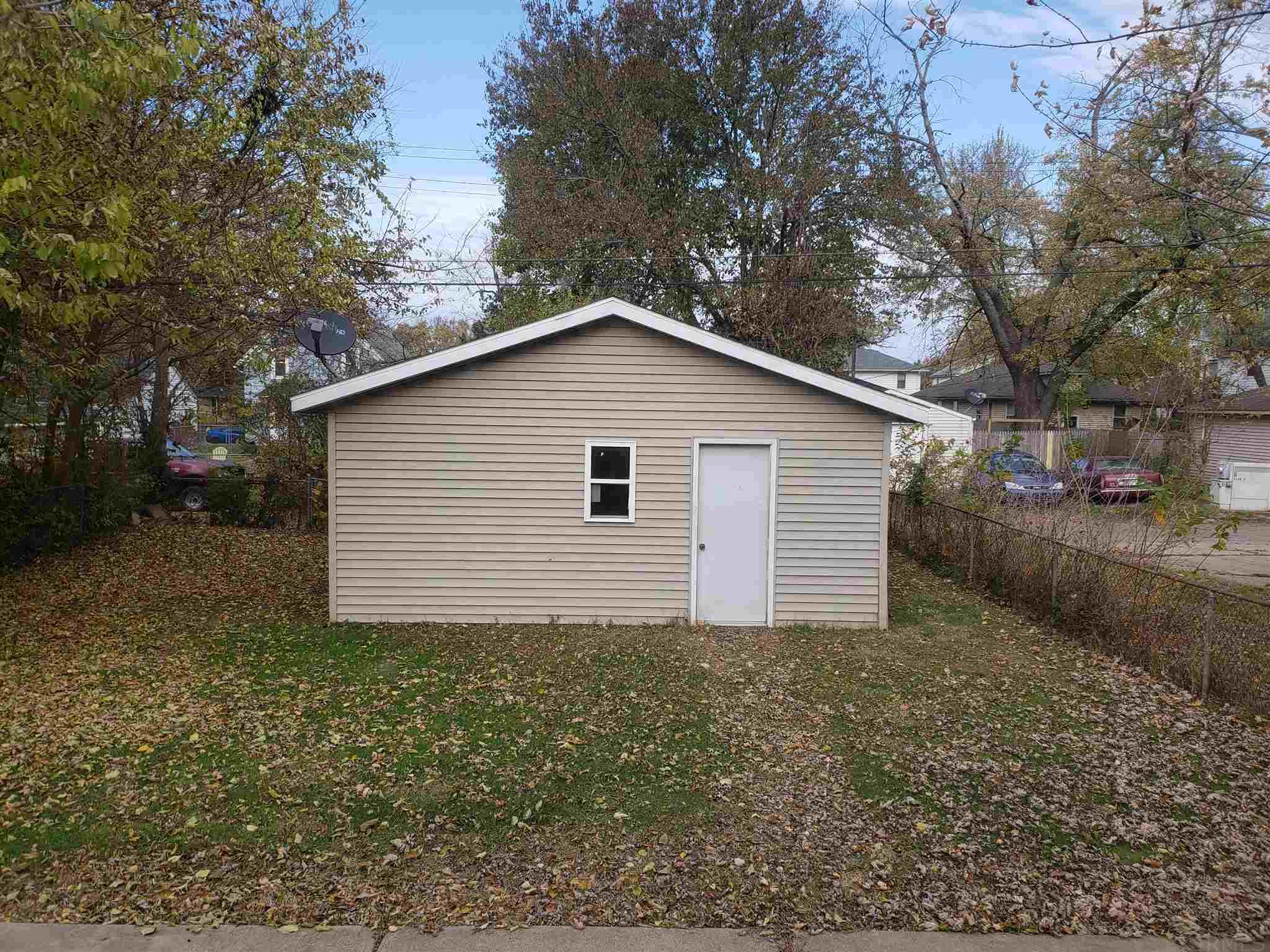 1131 E Ewing South Bend, IN 46613