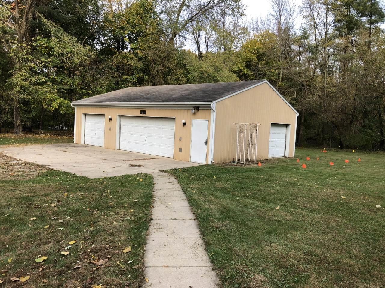59310 Myrtle South Bend, IN 46614