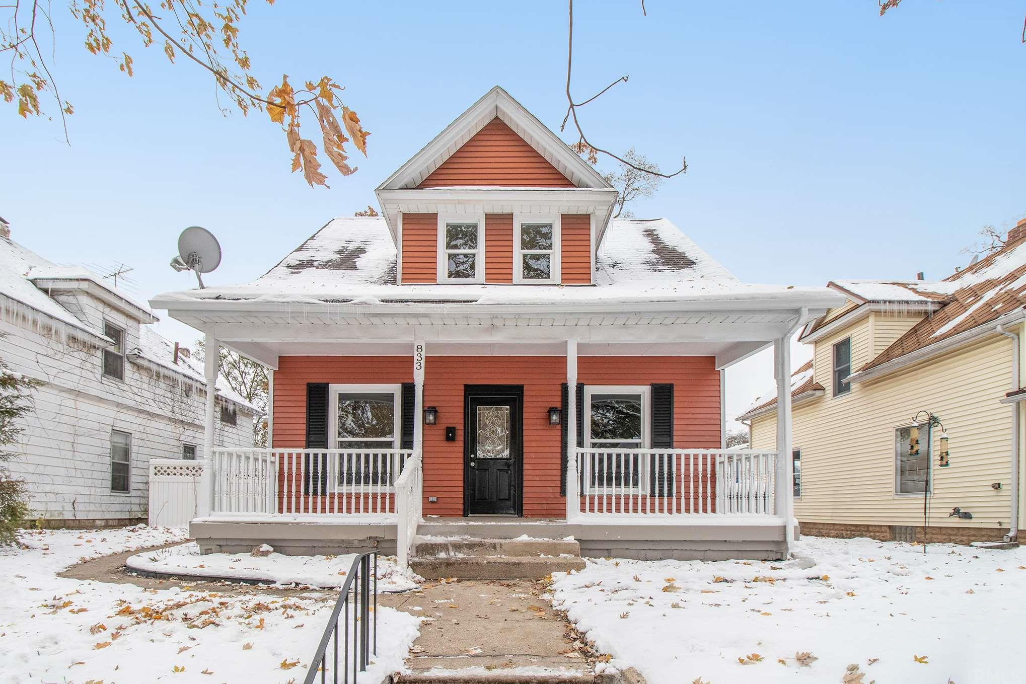 833 S 24TH South Bend, IN 46615