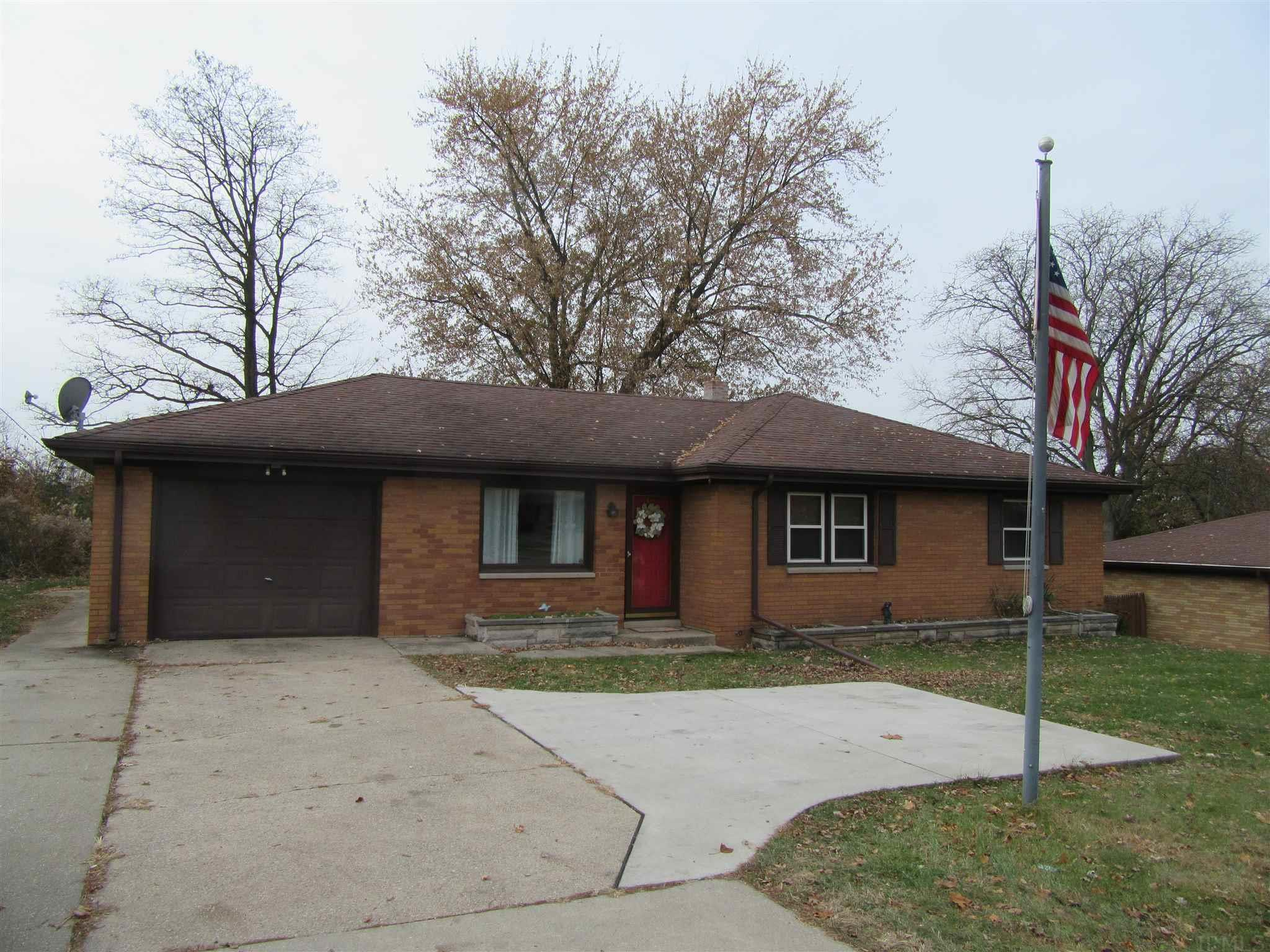 2427 S Ironwood South Bend, IN 46614