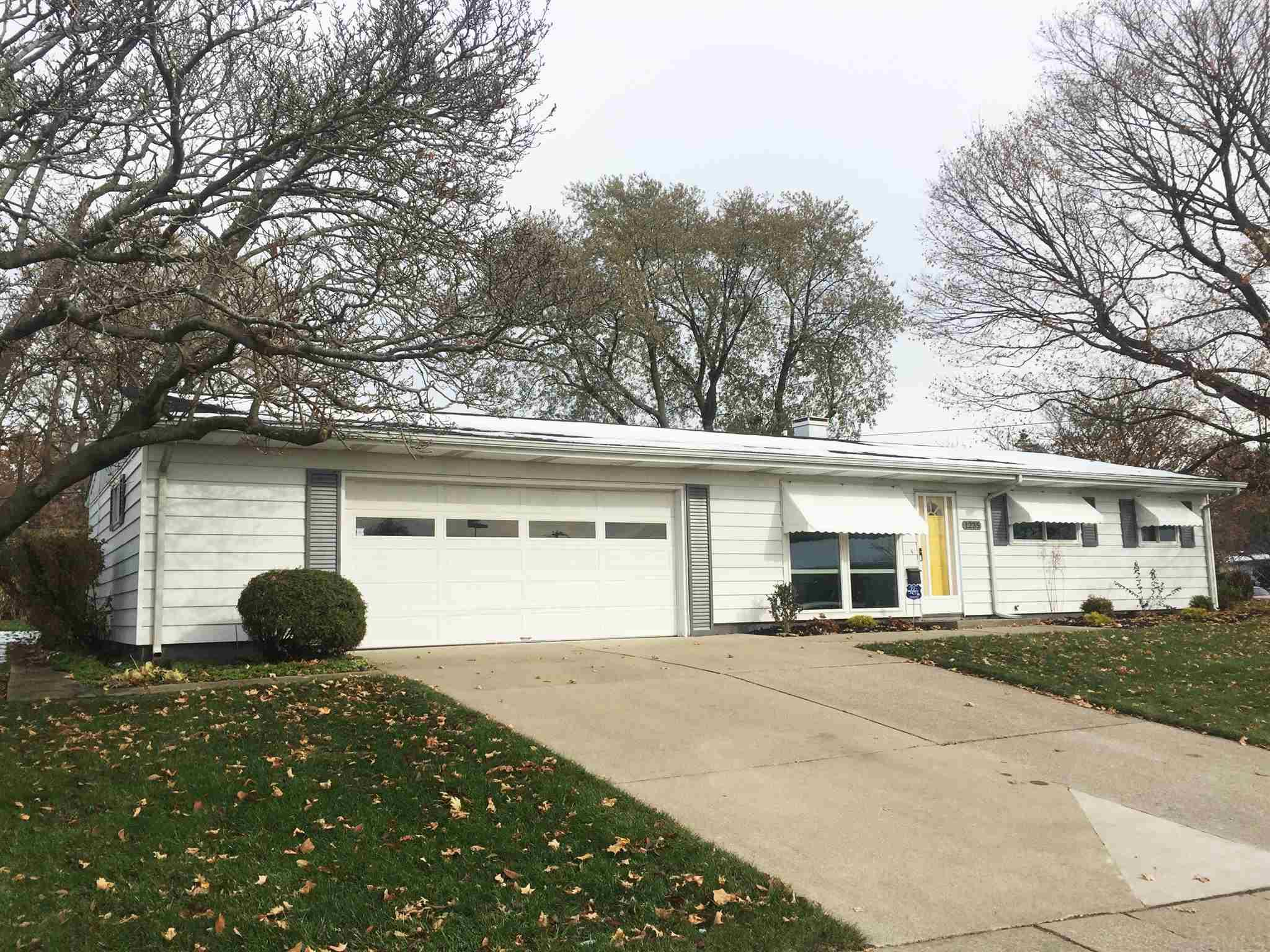 1235 Catherwood South Bend, IN 46614