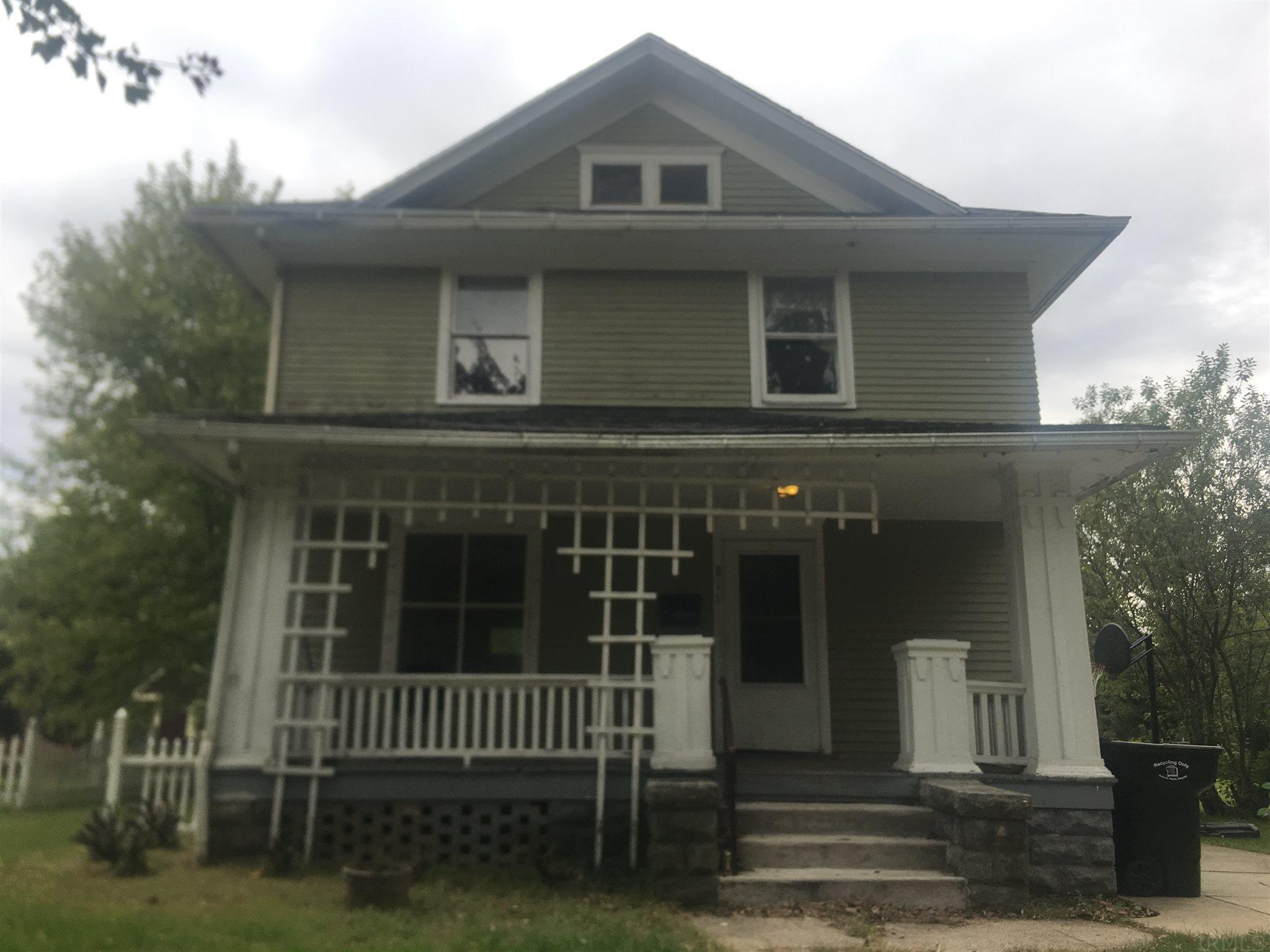 811 Cottage Grove South Bend, IN 46616