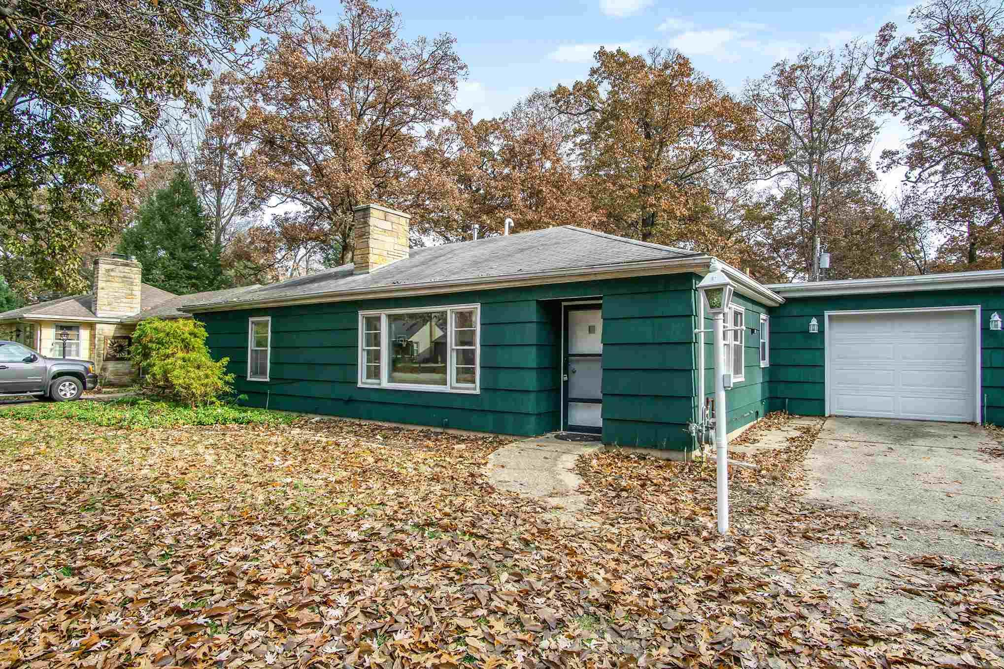 206 Devonshire South Bend, IN 46615