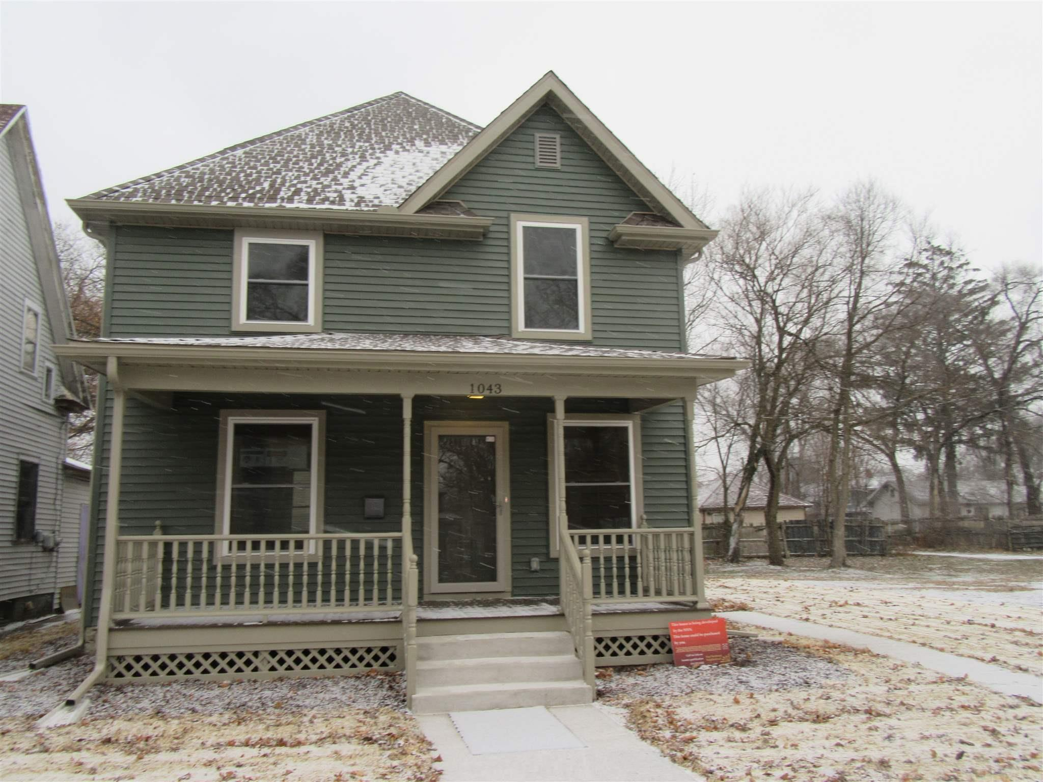 1043 California South Bend, IN 46616