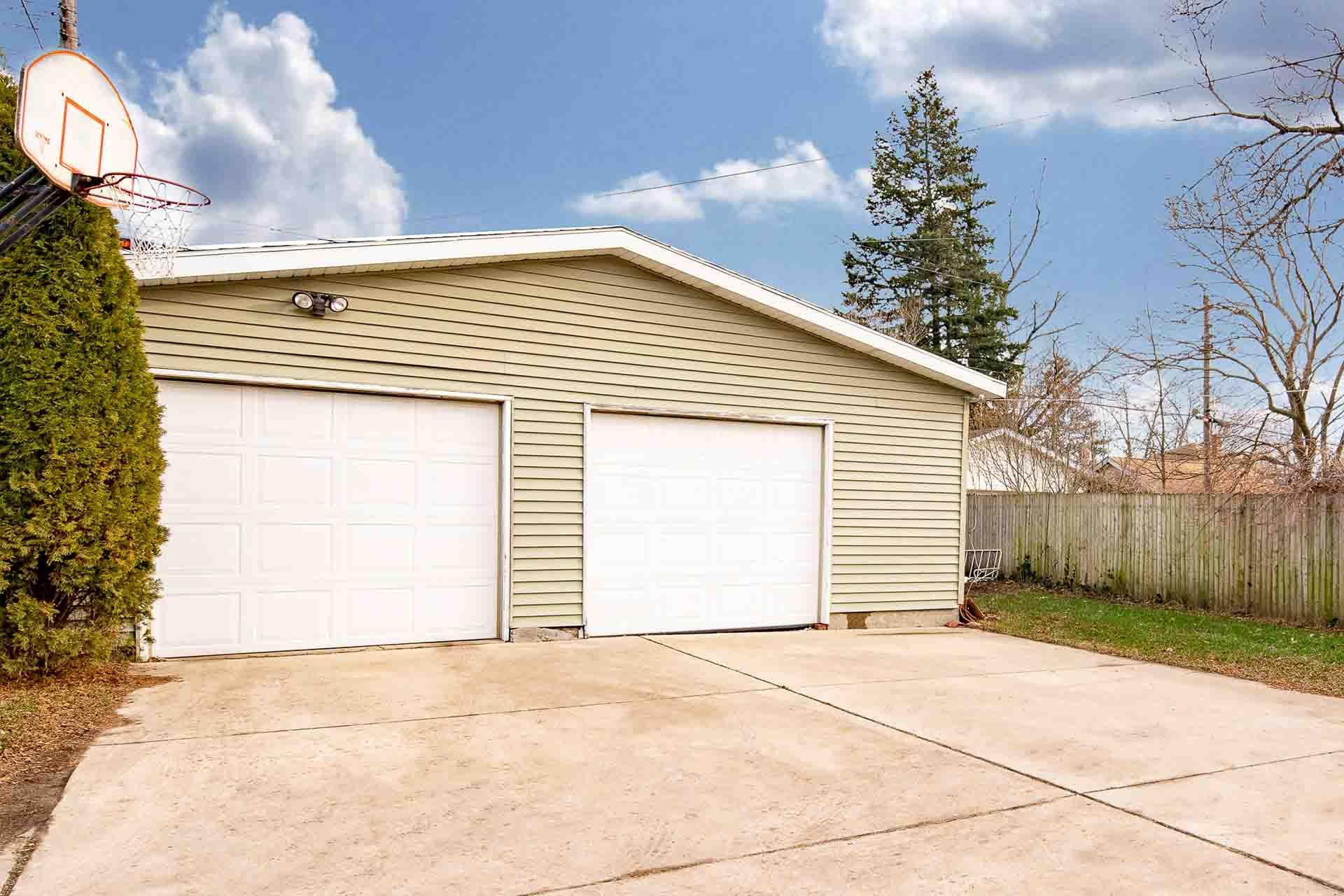 730 S 23RD South Bend, IN 46615