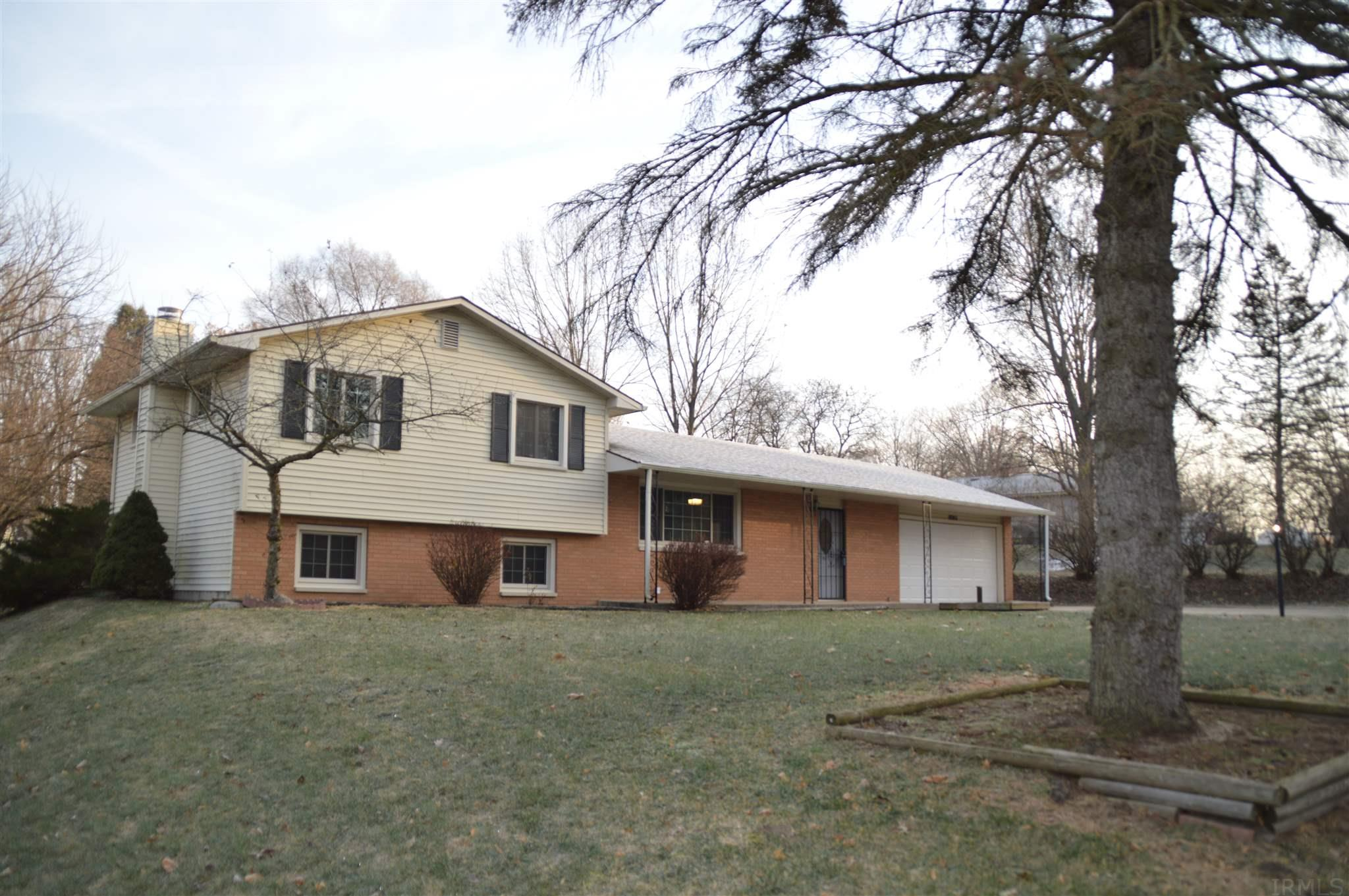 18243 Clairmont South Bend, IN 46637