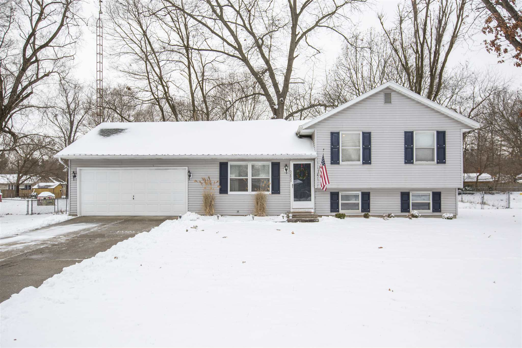 52833 Emmons South Bend, IN 46637