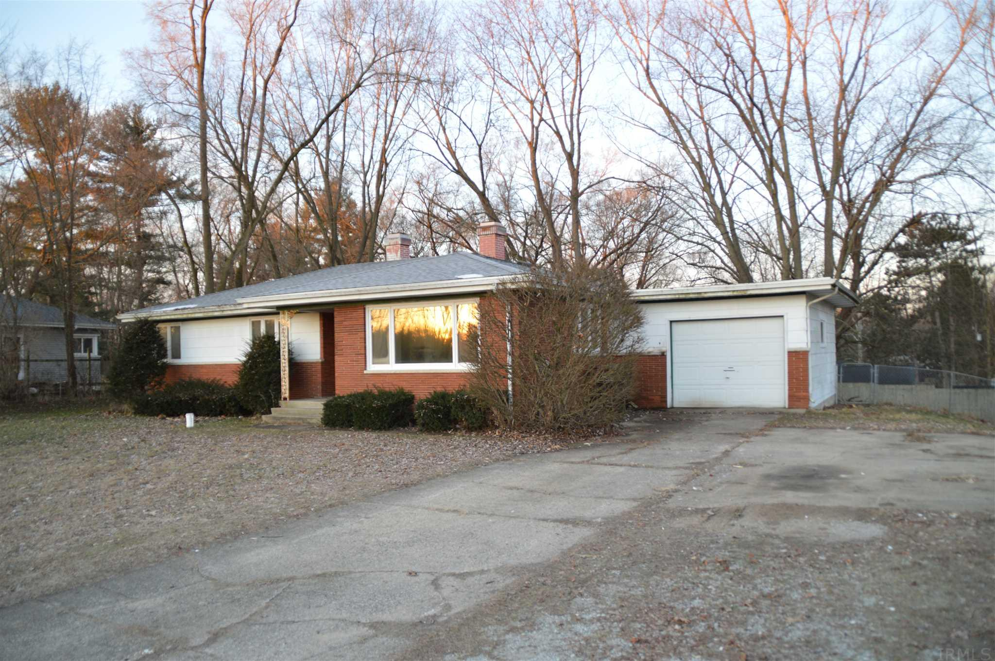 51185 Hollyhock South Bend, IN 46637