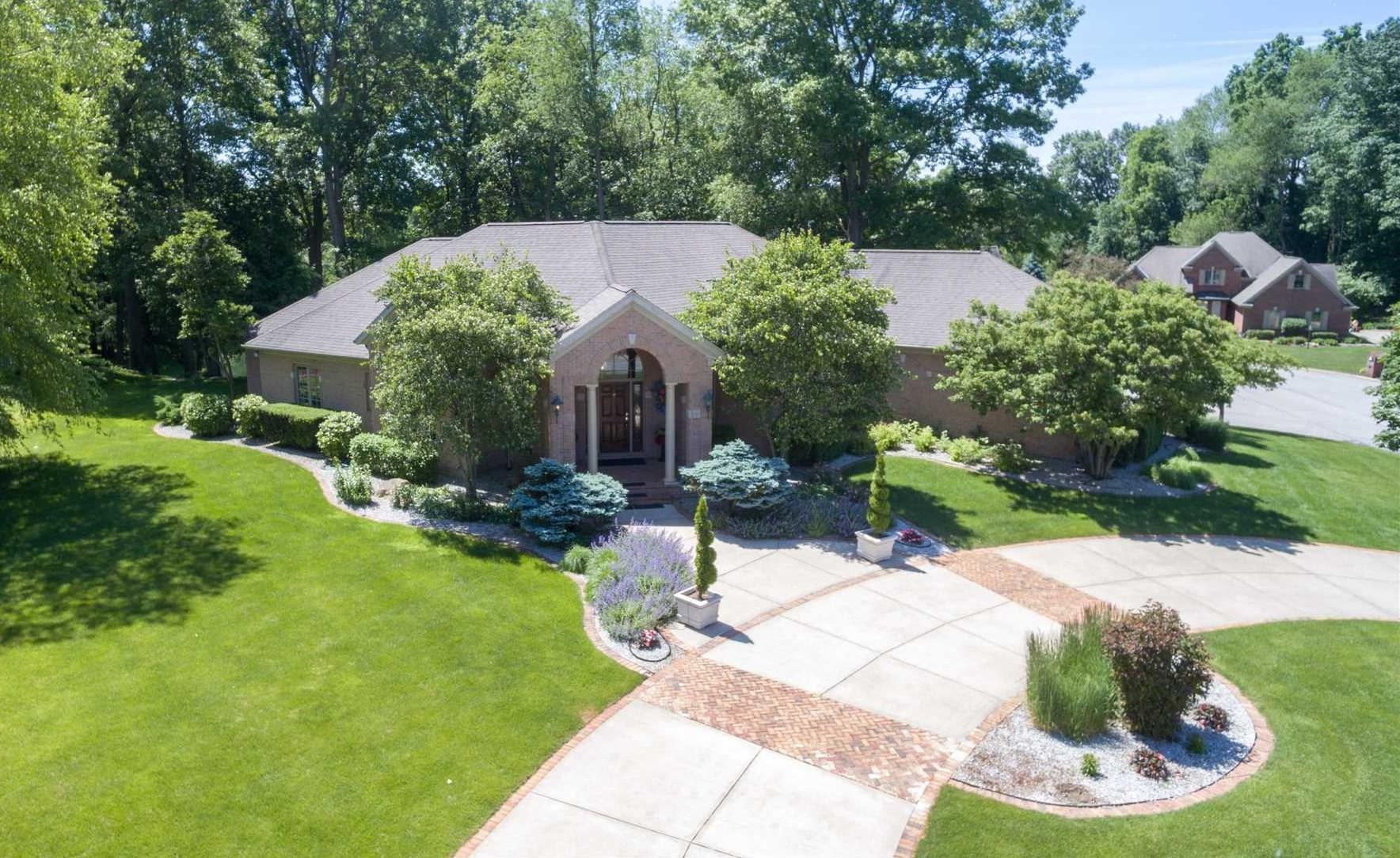26226 Woodsong South Bend, IN 46628