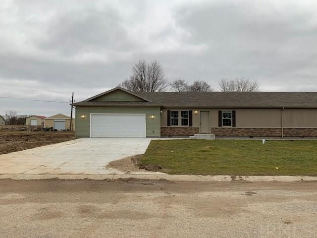 Like new ranch duplex Fresh and neat as a pin! Great location on Elkharts north side just waiting for you! 2 bedrooms, 2 full baths, Living Room, Eat-In Kitchen, Main Laundry and 2 car attached garage.
