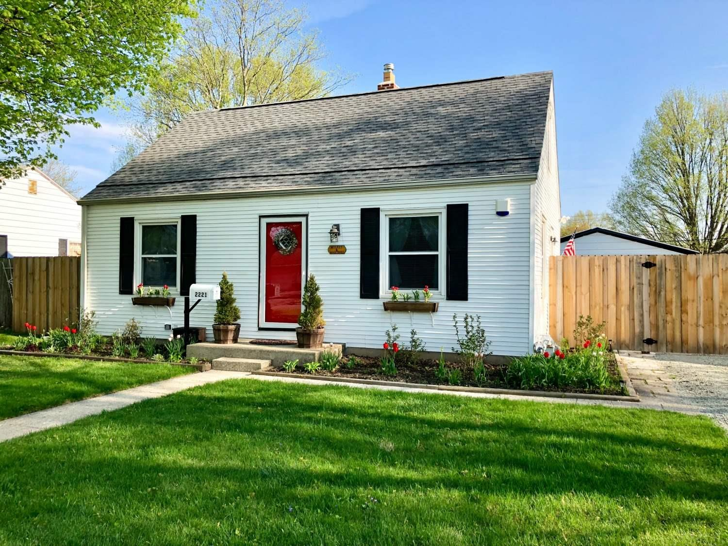 2221 Corby South Bend, IN 46615