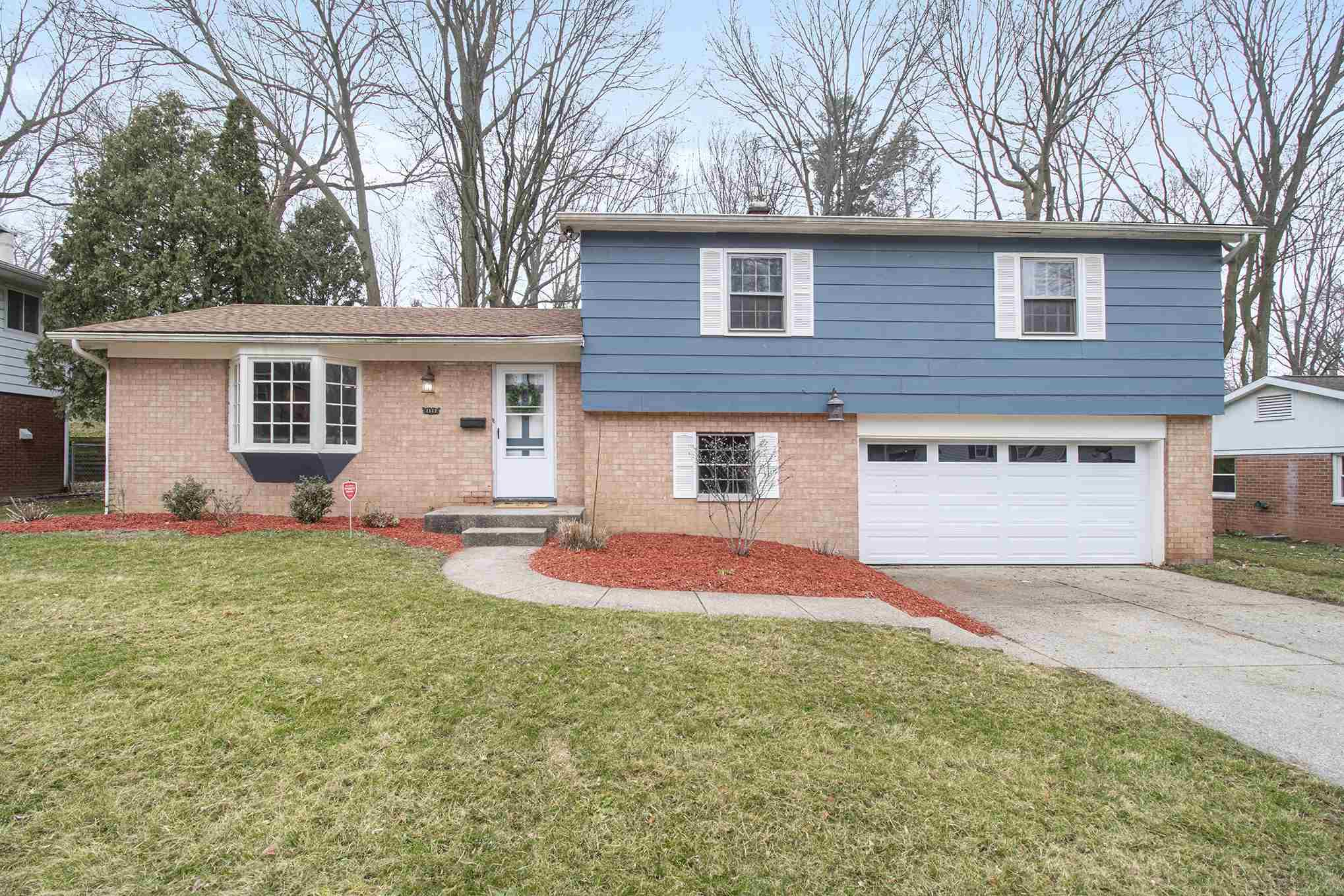1152 Echo South Bend, IN 46614