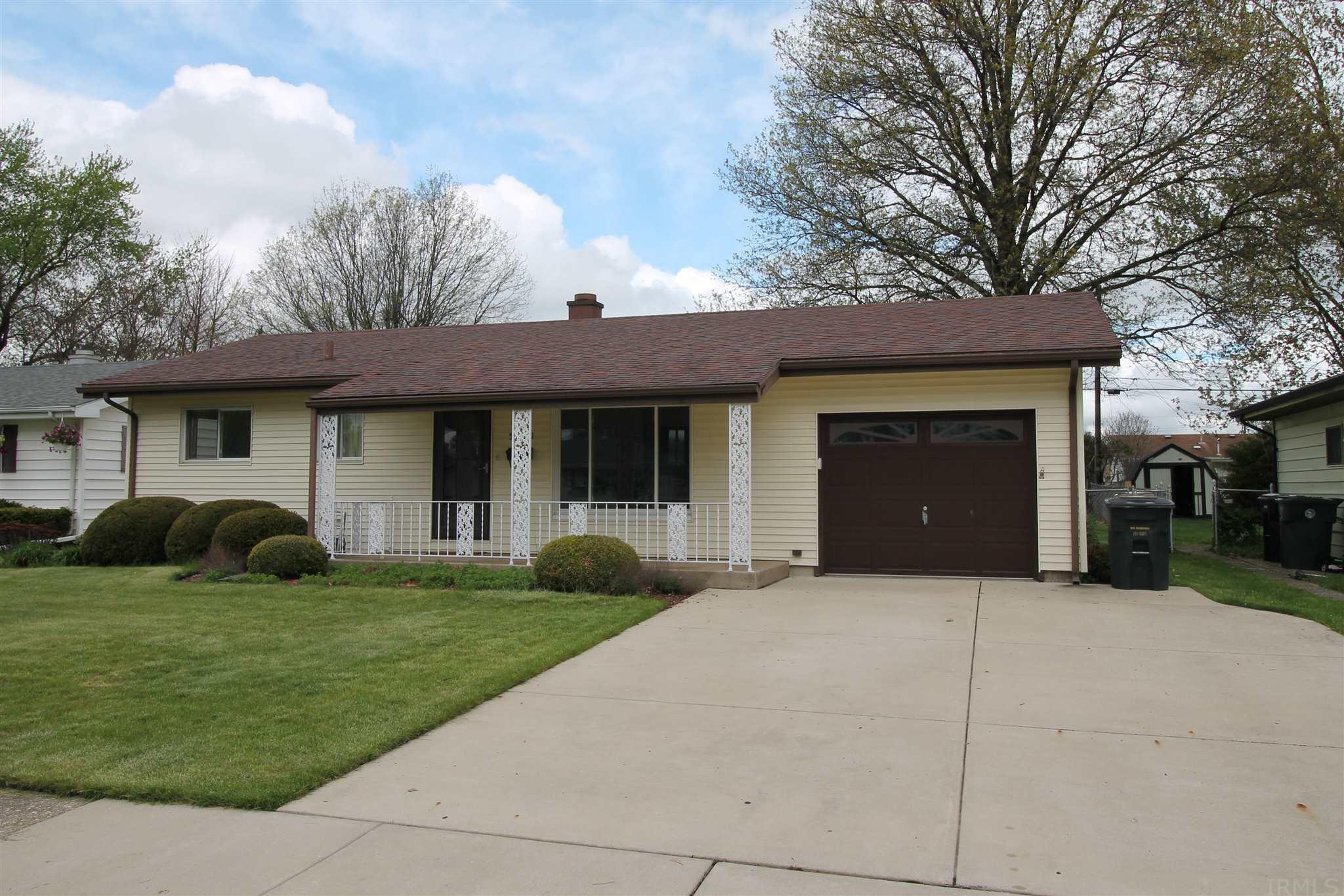 5121 Scenic South Bend, IN 46619