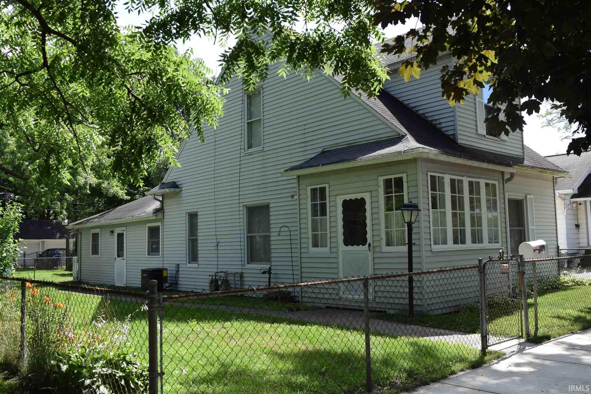 809 Cedar Elkhart, IN 46514