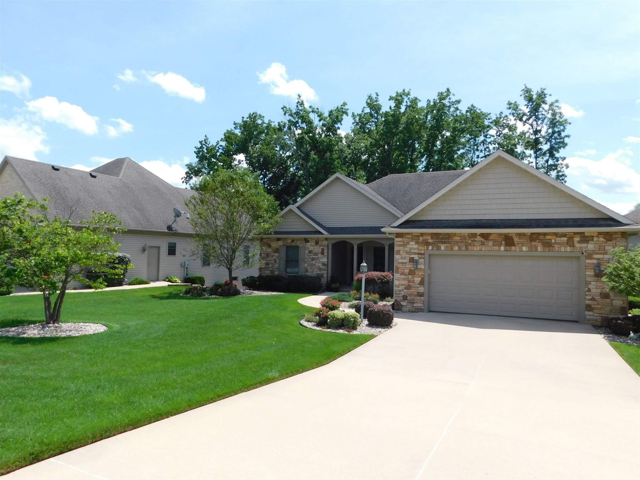 25678 Rolling Hills South Bend, IN 46628