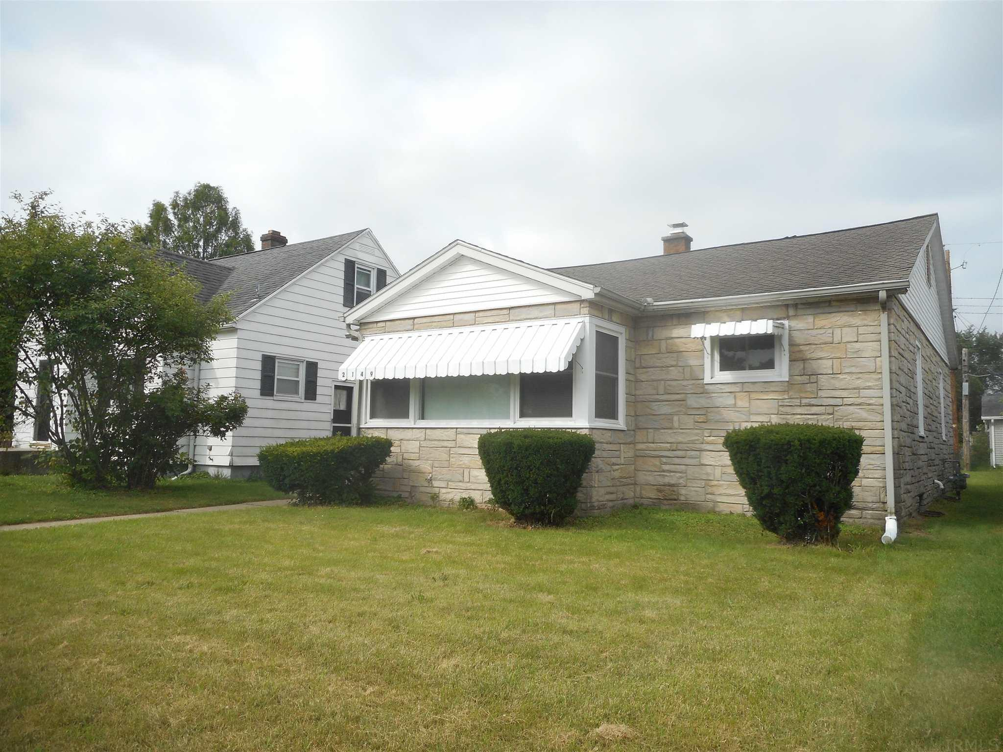 2149 N Parkview South Bend, IN 46616