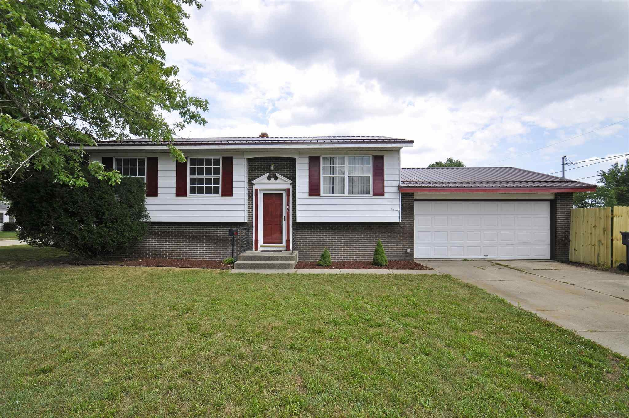104 S Clearview South Bend, IN 46619