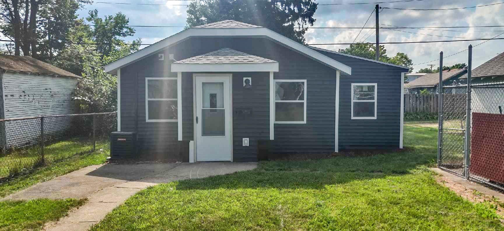 745 S 26TH South Bend, IN 46615