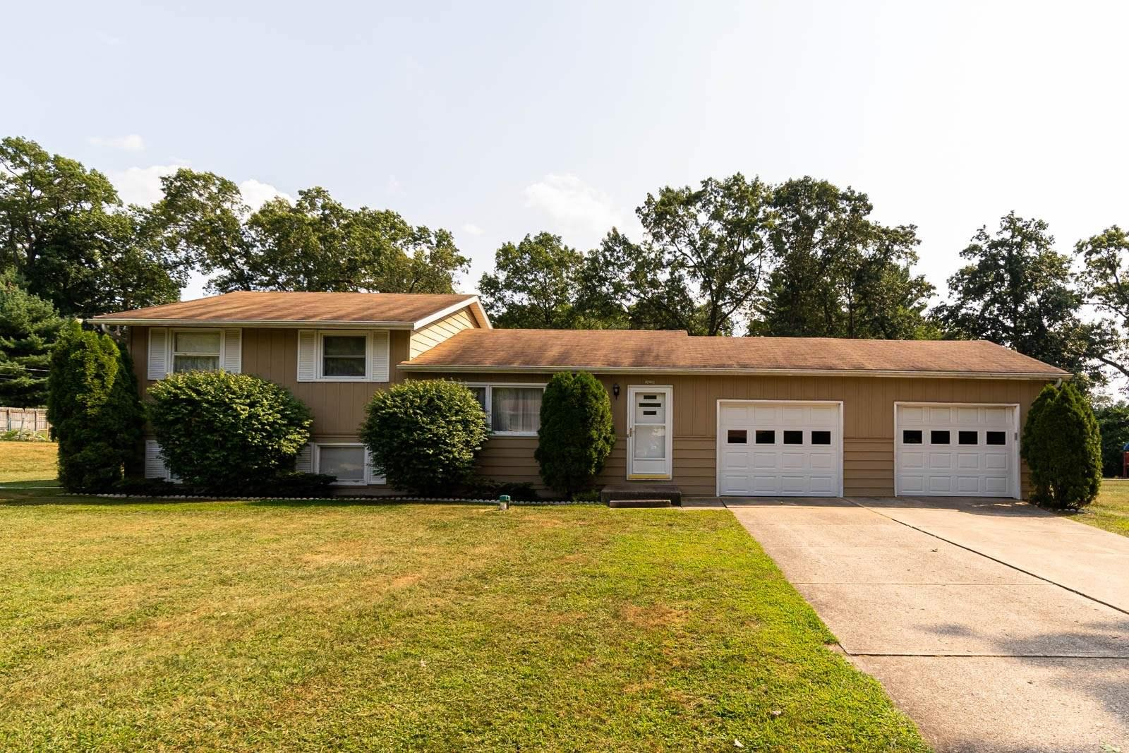 18220 Chipstead South Bend, IN 46637