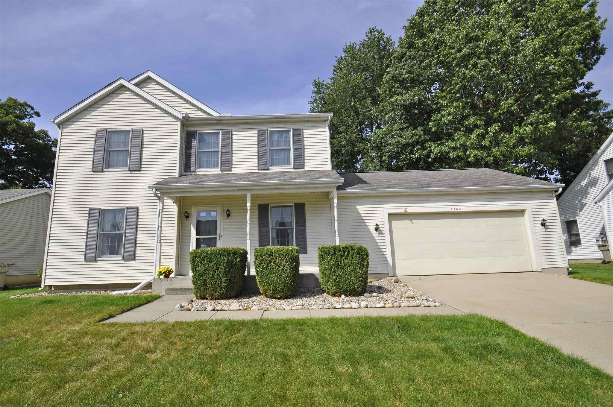 2233 Pine Creek South Bend, IN 46628