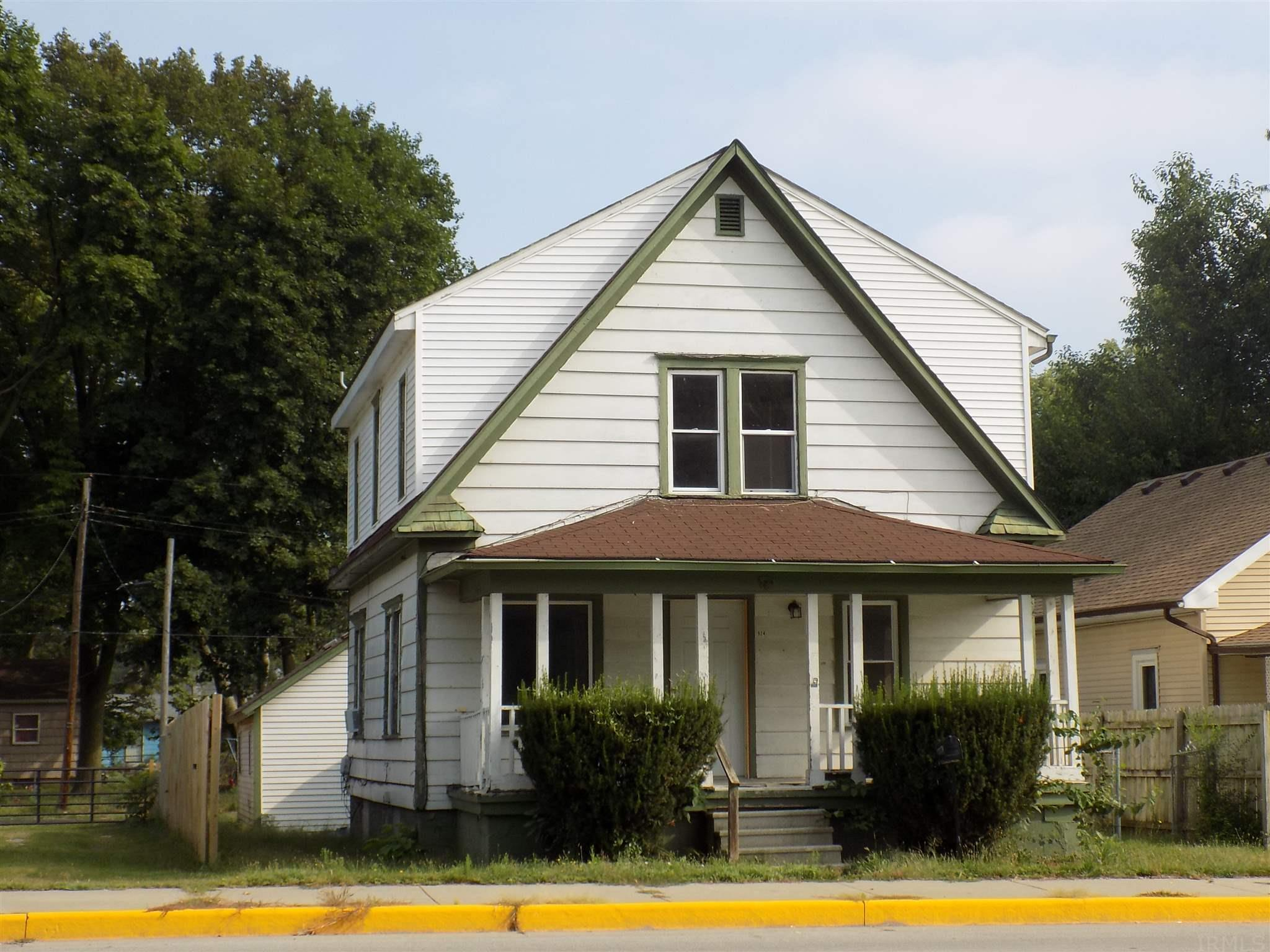 824 E Indiana Elkhart, IN 46516