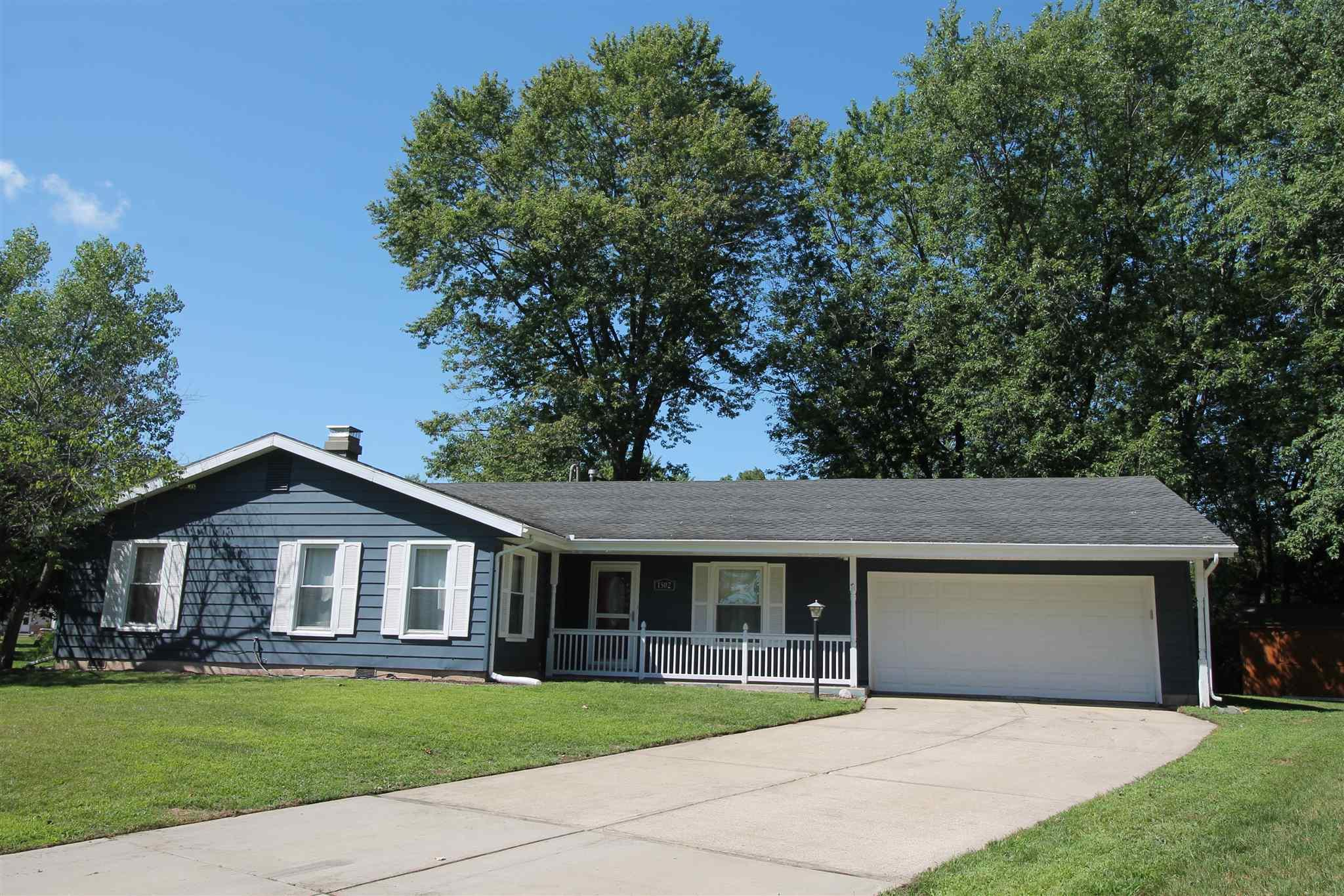 1502 Stanmore South Bend, IN 46614