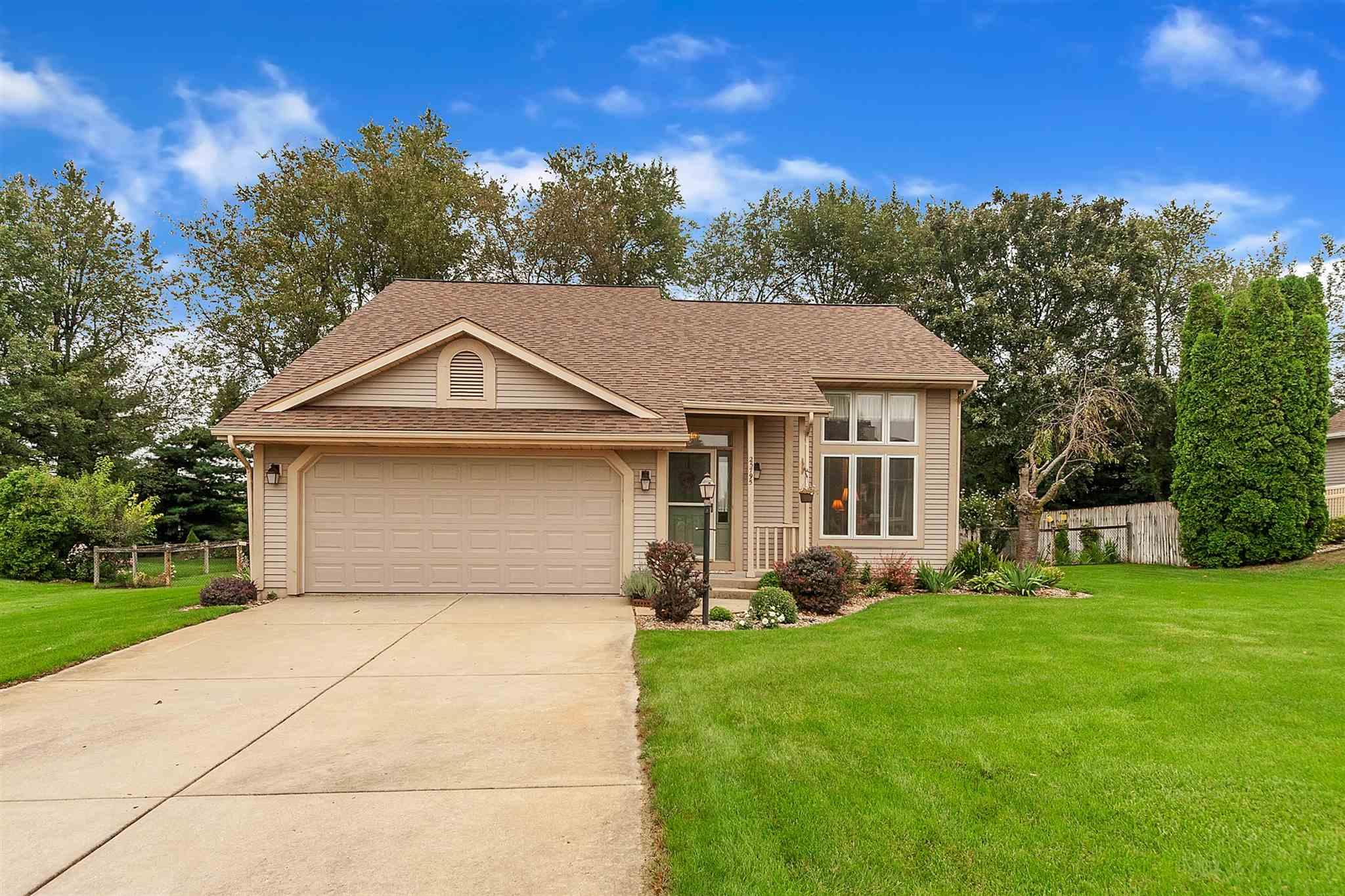 25795 Fox Tail South Bend, IN 46628