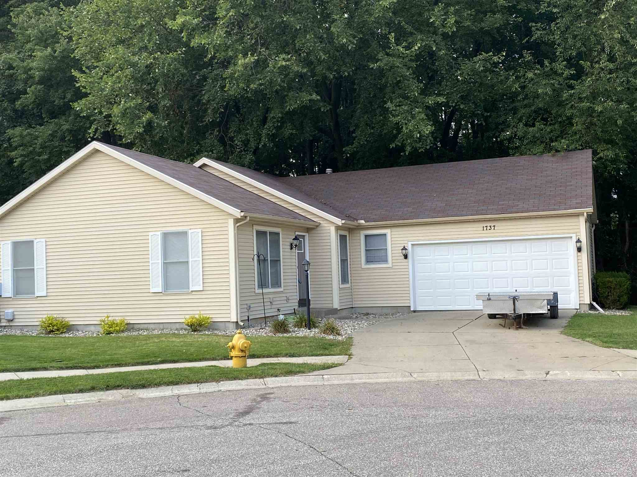 1737 Woodland Elkhart, IN 46514