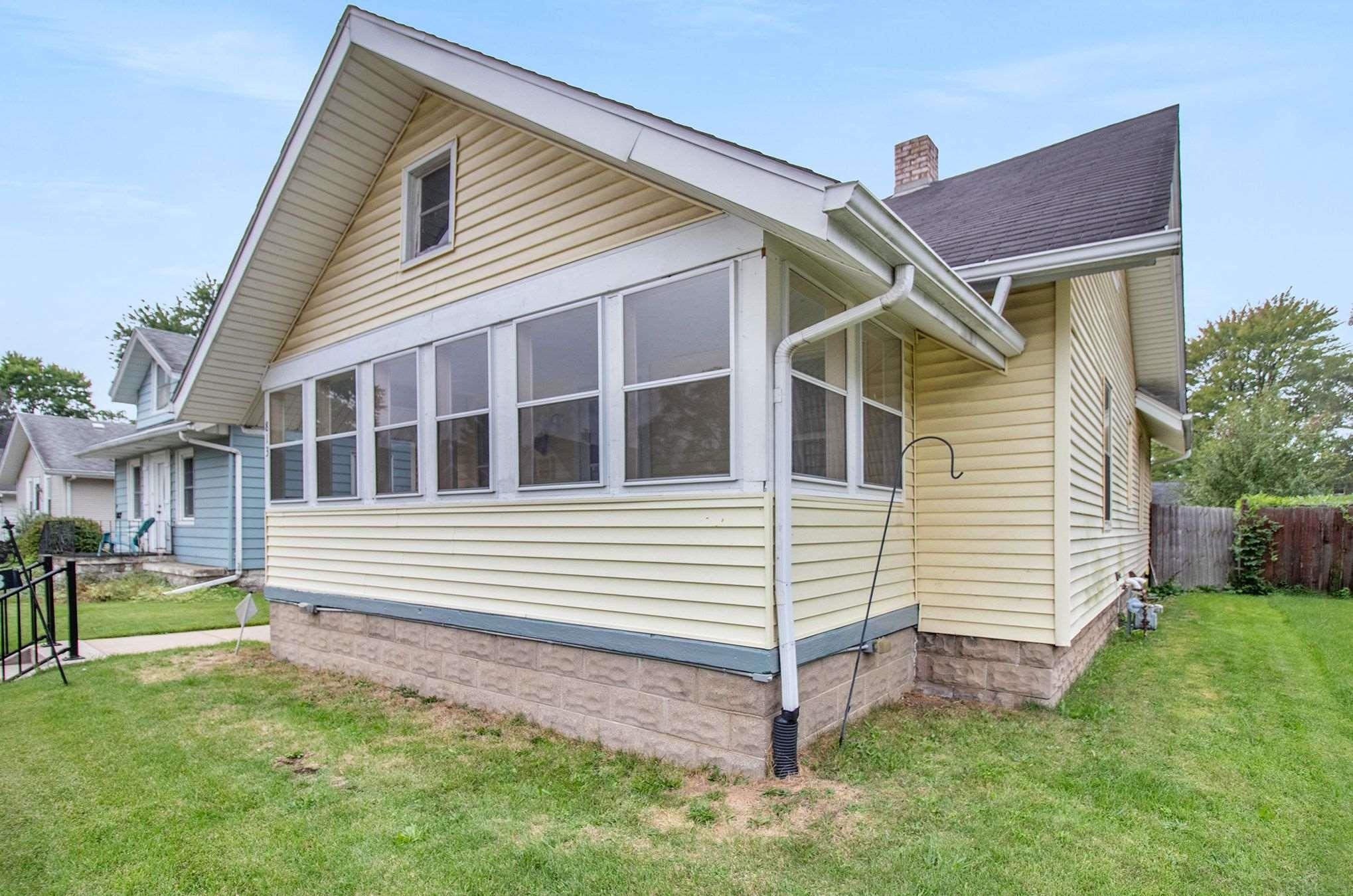 813 S 27TH South Bend, IN 46613