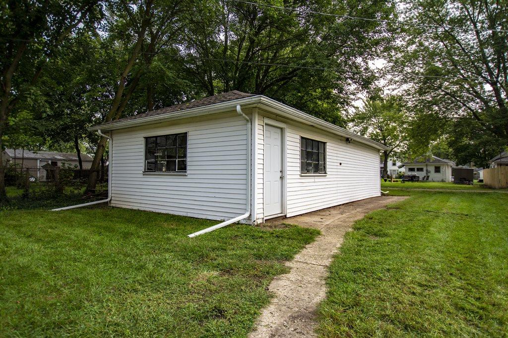 1014 S 32ND South Bend, IN 46615