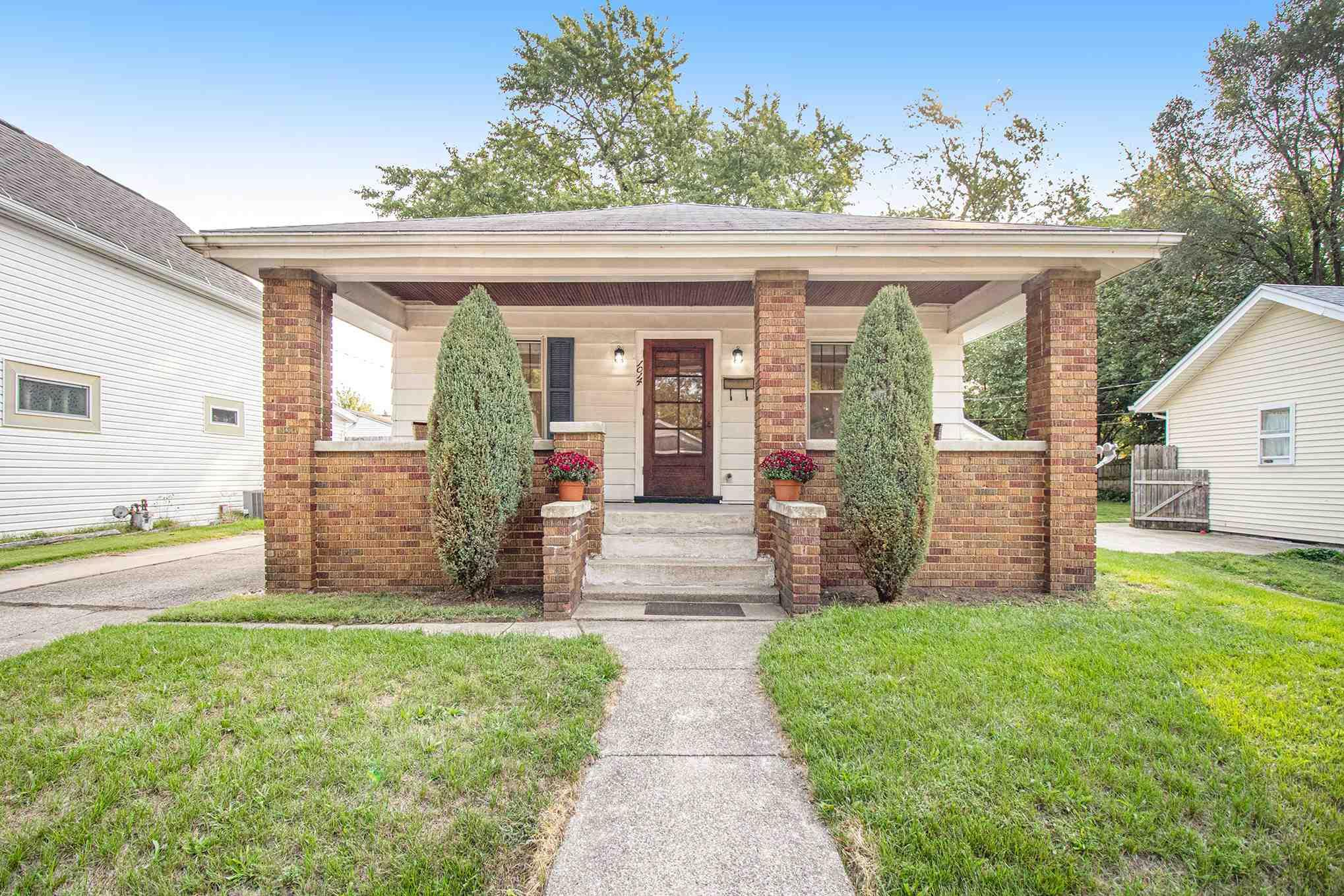1014 S 33RD South Bend, IN 46615