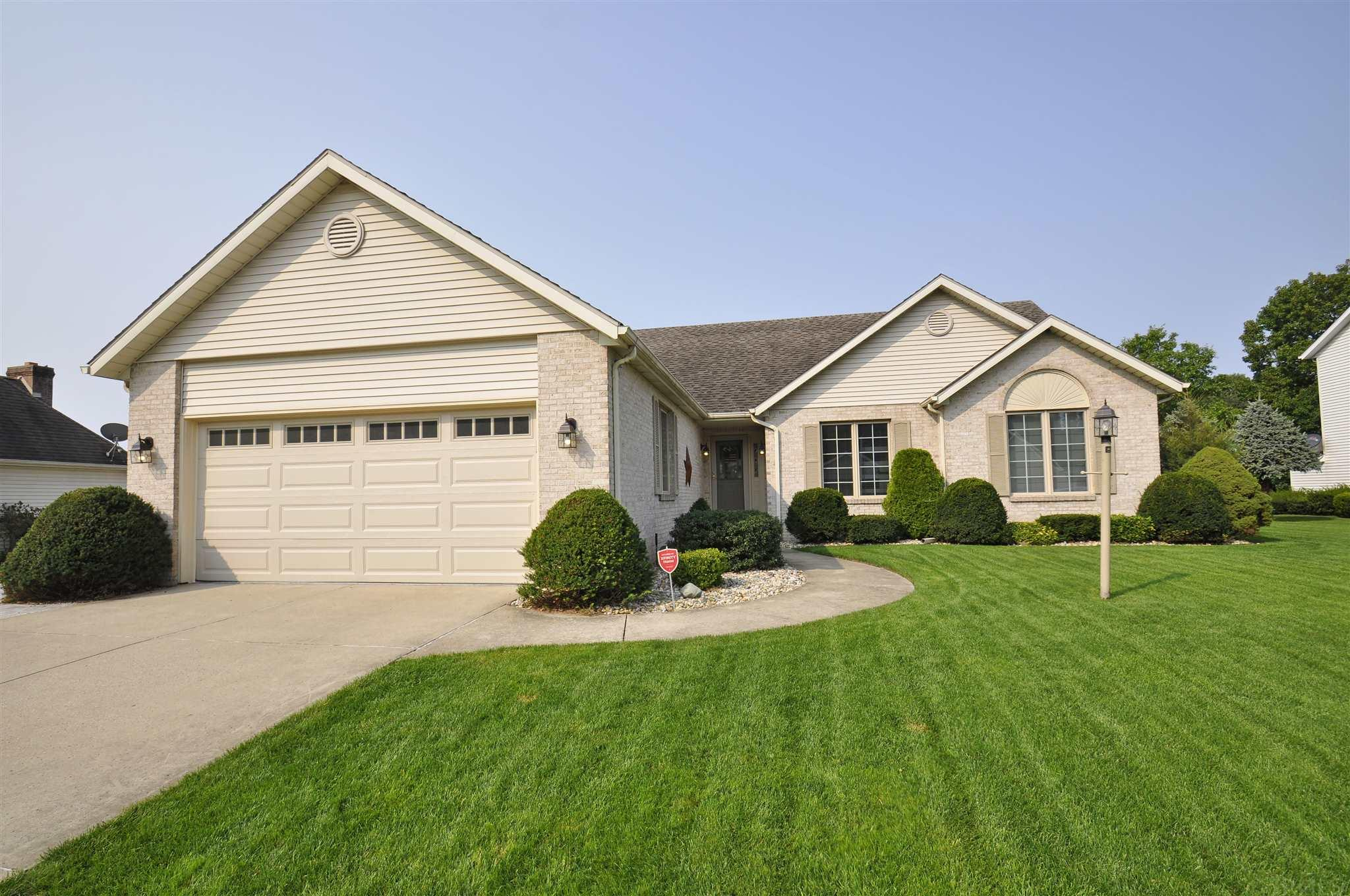 57523 E Shorewood South Bend, IN 46619