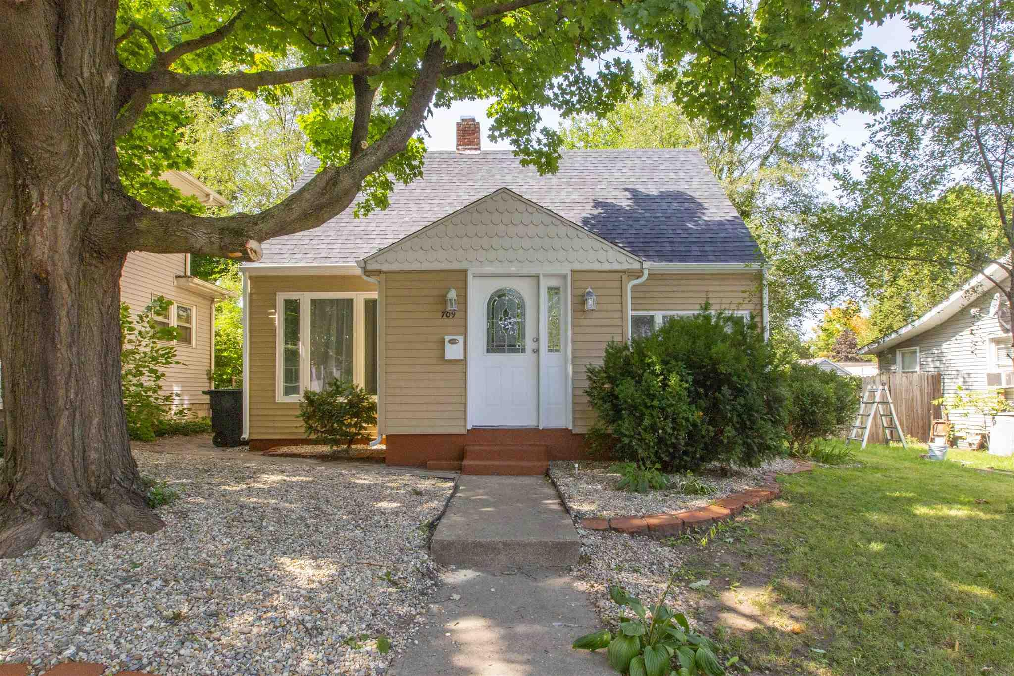 709 S 29TH South Bend, IN 46615