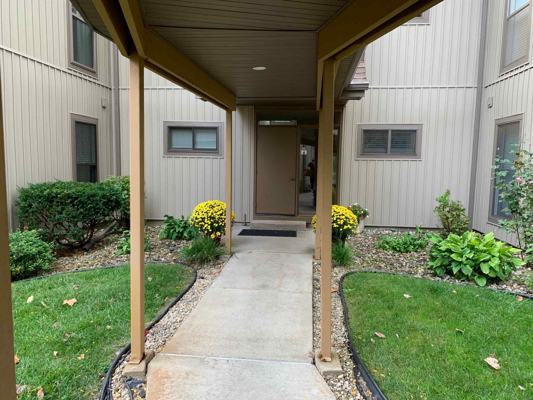 2025 Waterview Court South Bend, IN 46637