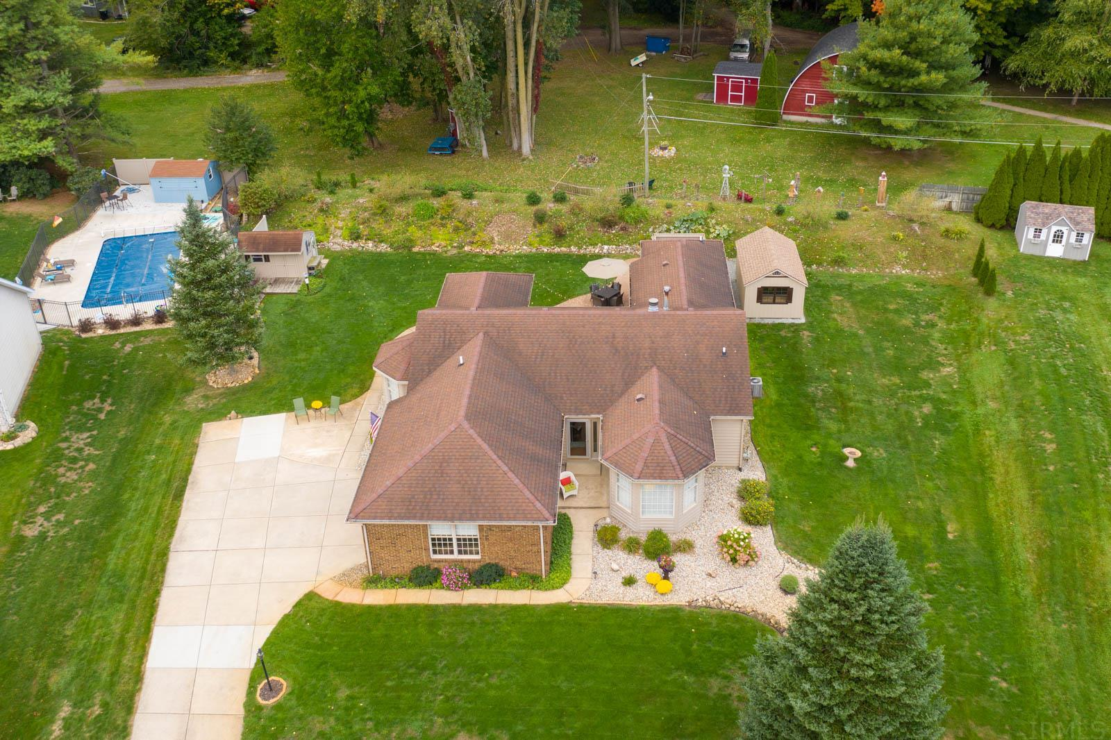 68073 Telegraph Court Lakeville, IN 46536