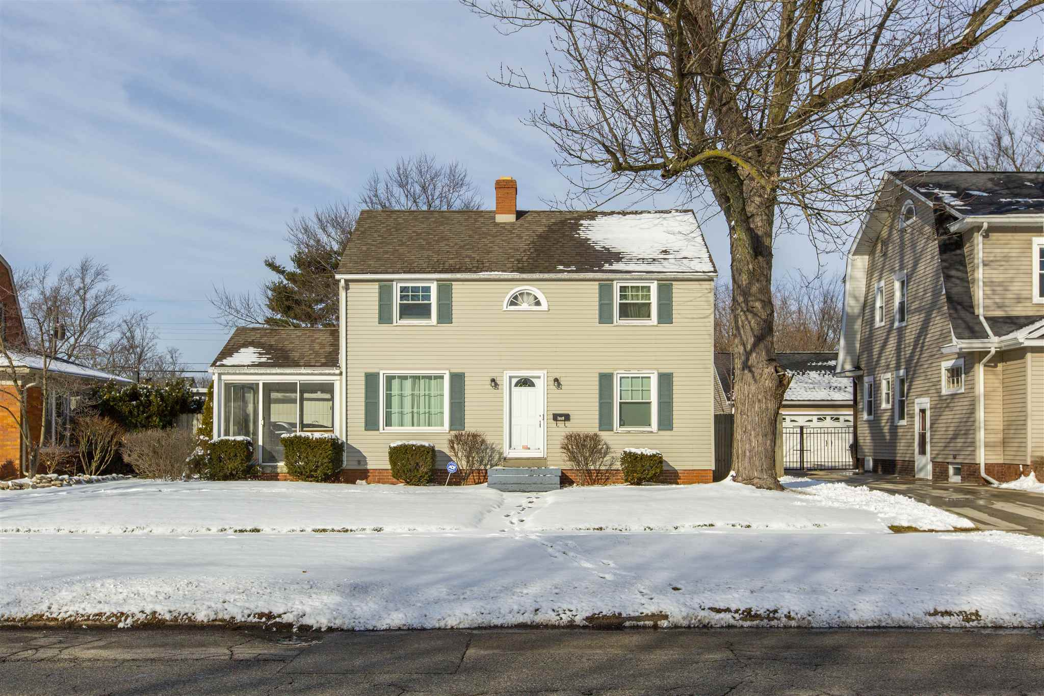 1409 Mckinley Avenue South Bend, IN 46617