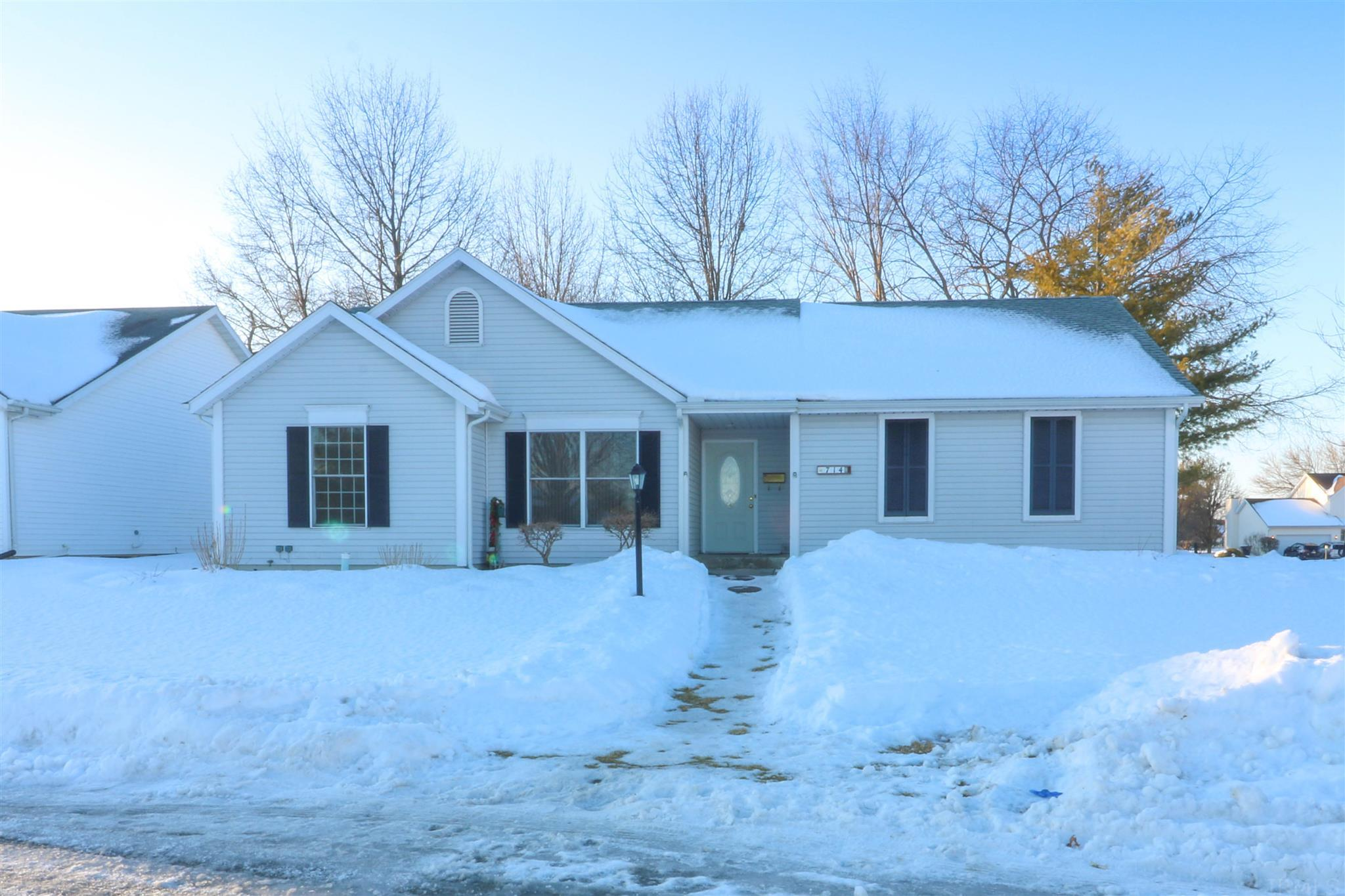 714 S Copperfield Drive South Bend, IN 46614