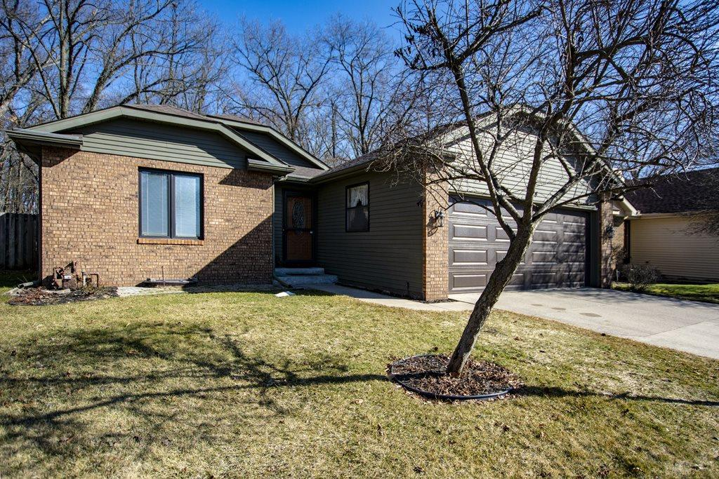 1724 Woodland Elkhart, IN 46514