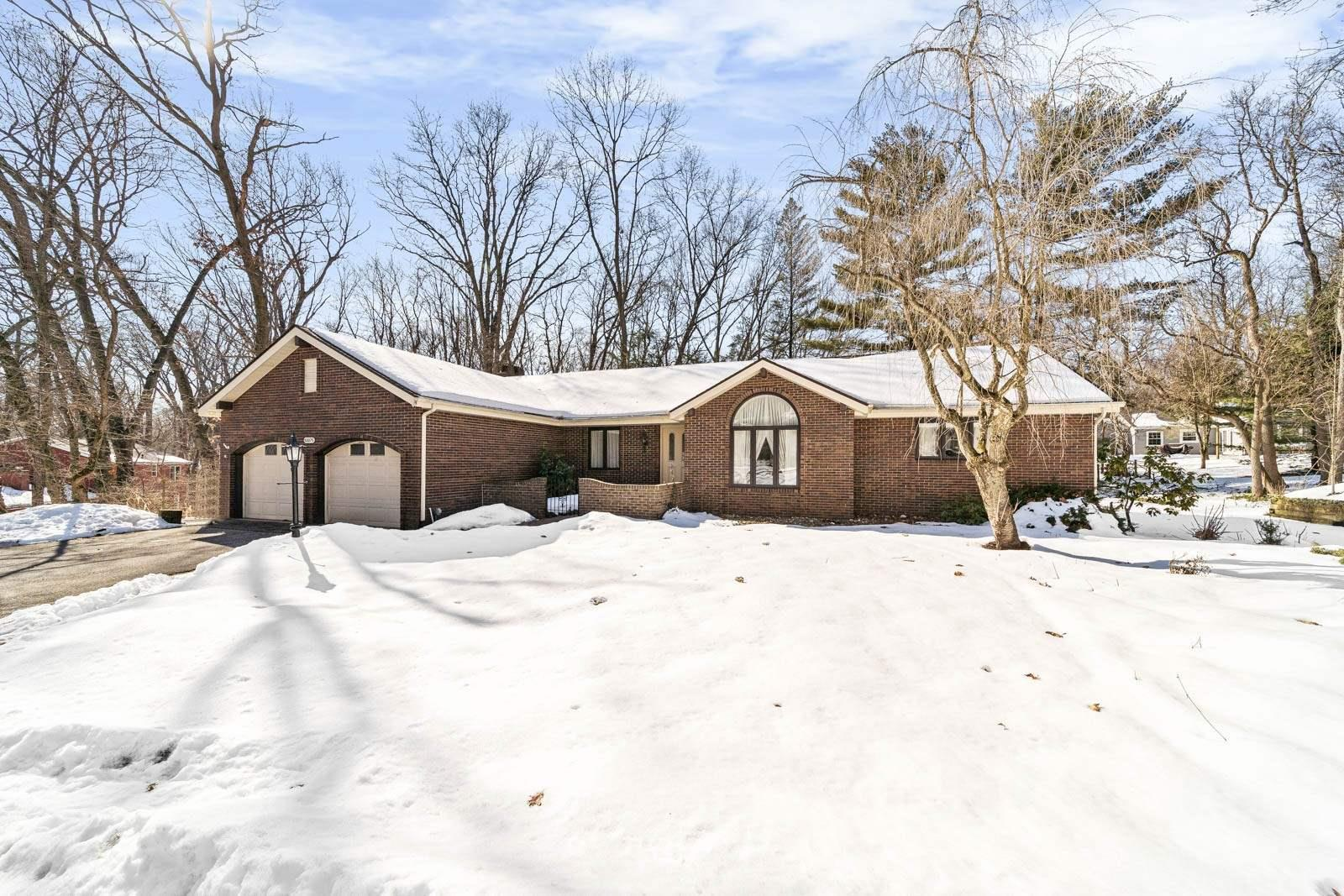 52075 Post Tavern Trail Granger, IN 46530