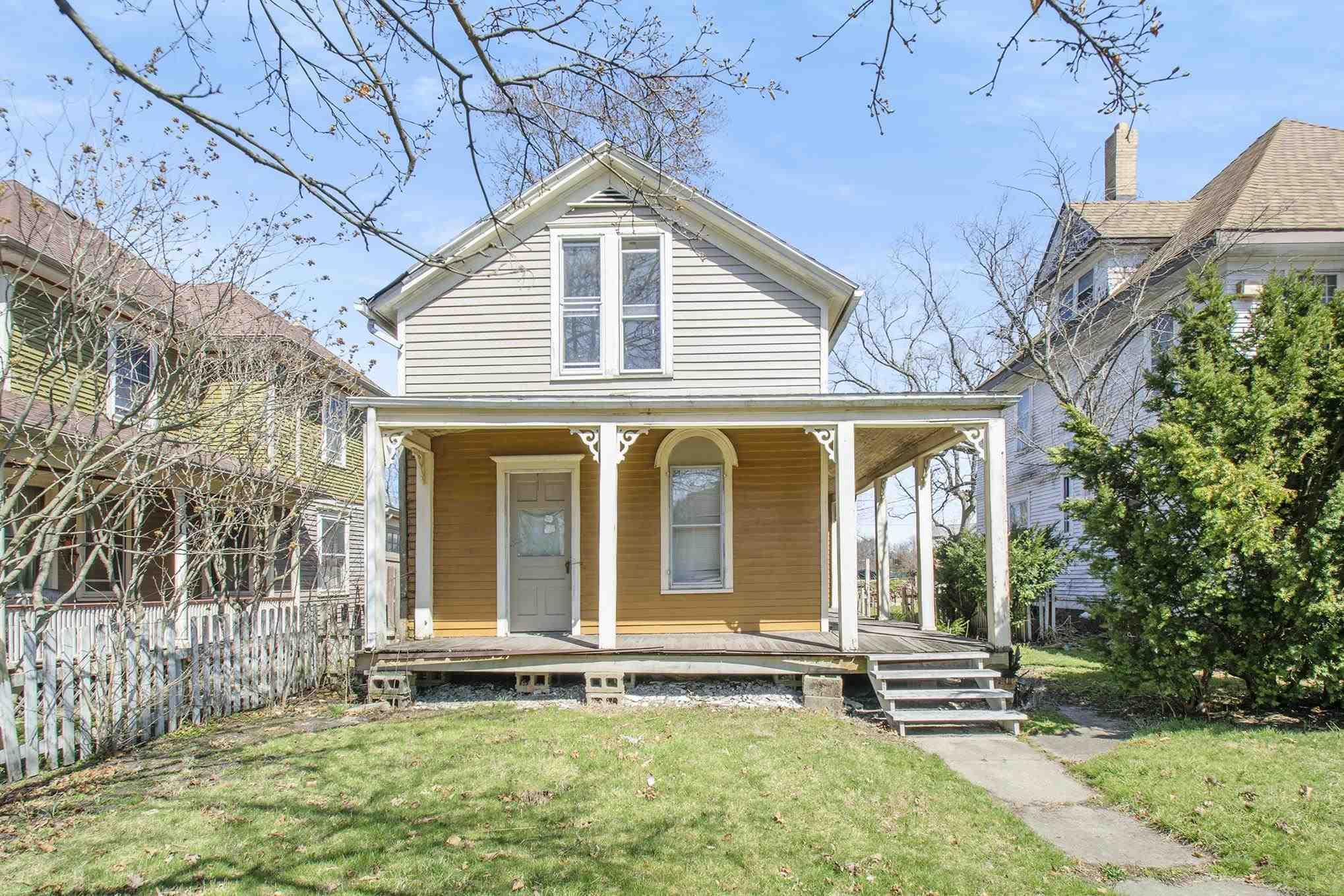705 W Lasalle South Bend, IN 46601