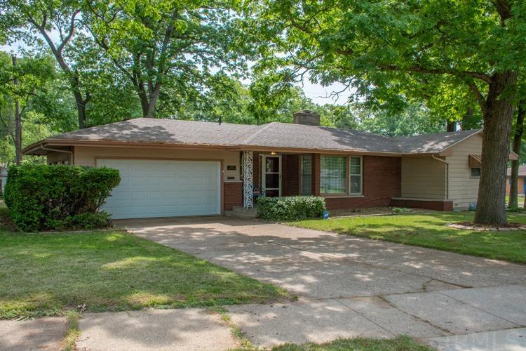 3821 Brentwood South Bend, IN 46628