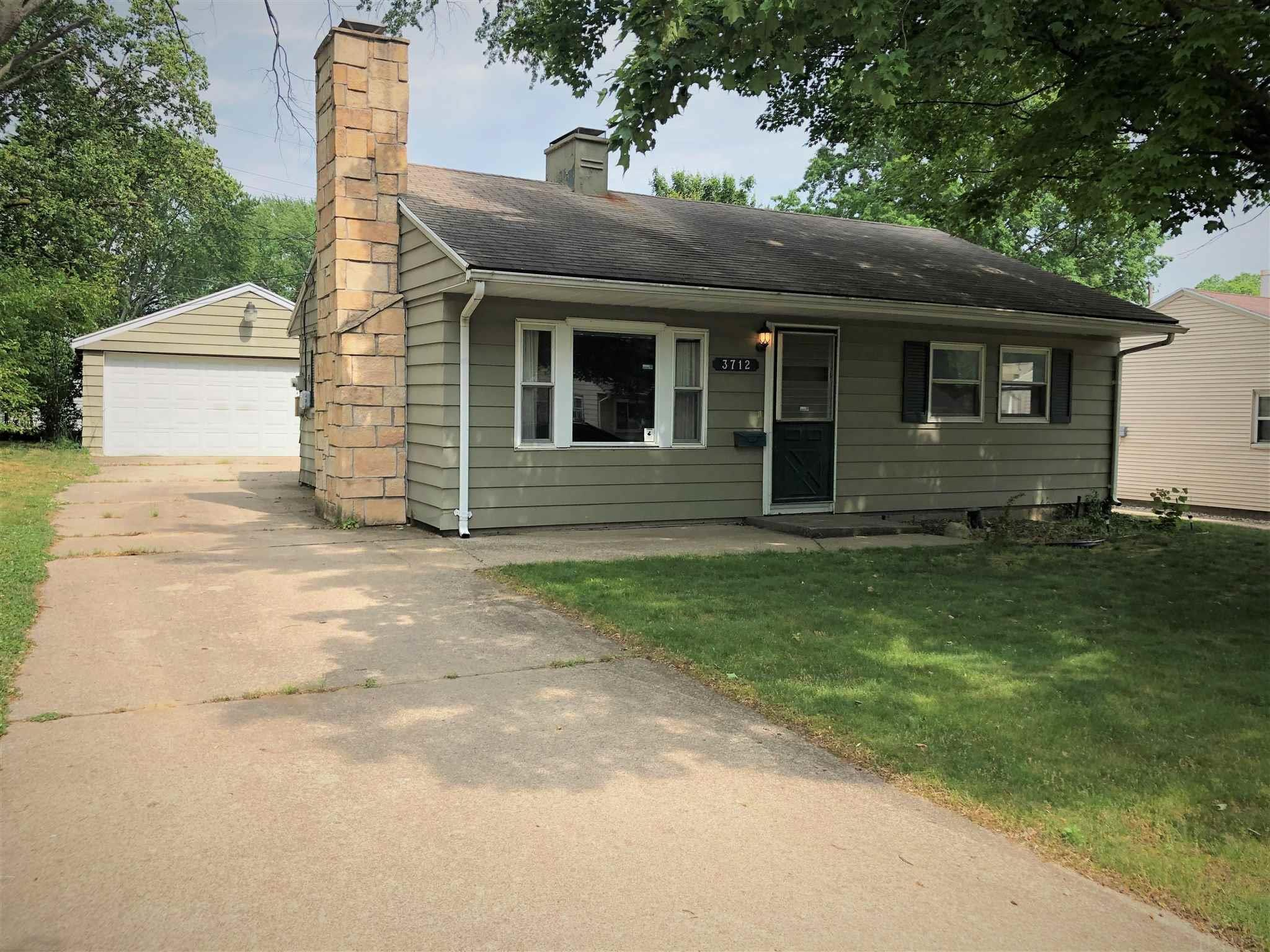 3712 Carroll South Bend, IN 46614
