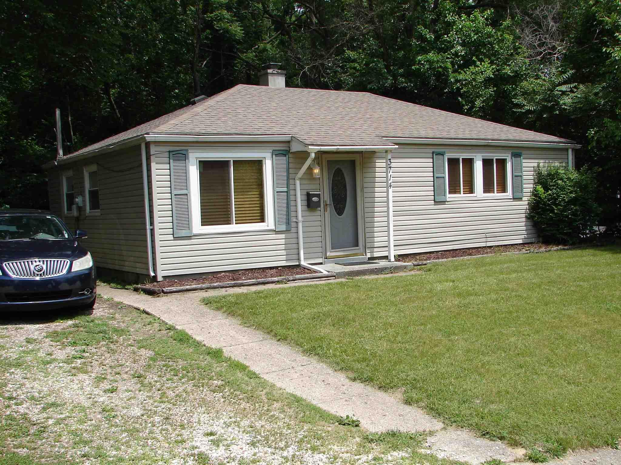 3714 Woldhaven South Bend, IN 46614