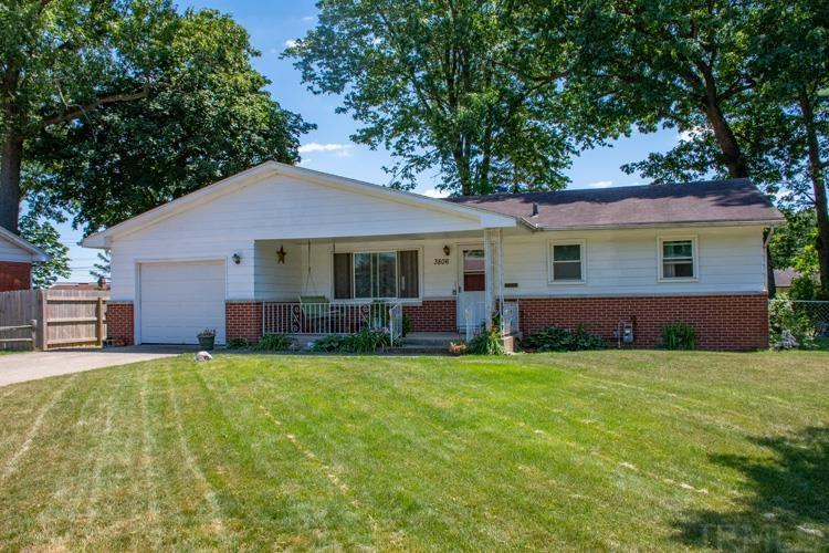 3806 Surrey South Bend, IN 46628