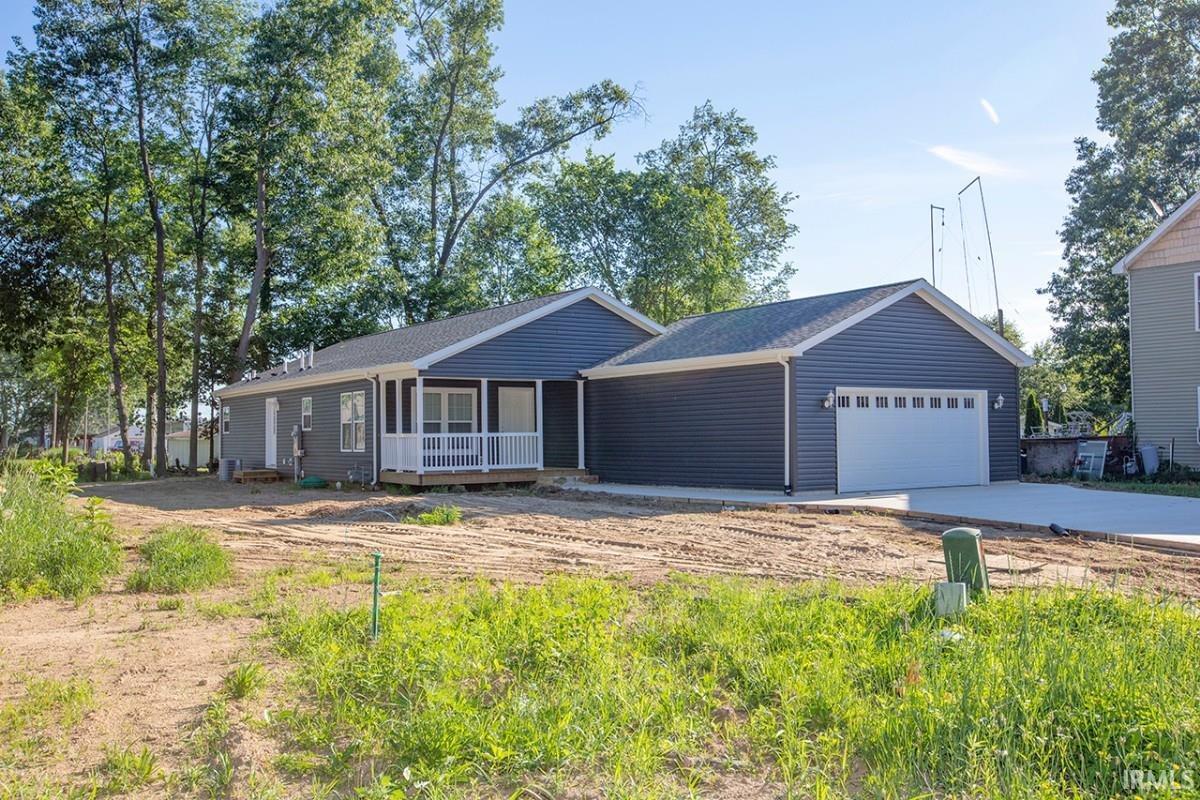26141 Lake Terrace Elkhart, IN 46514