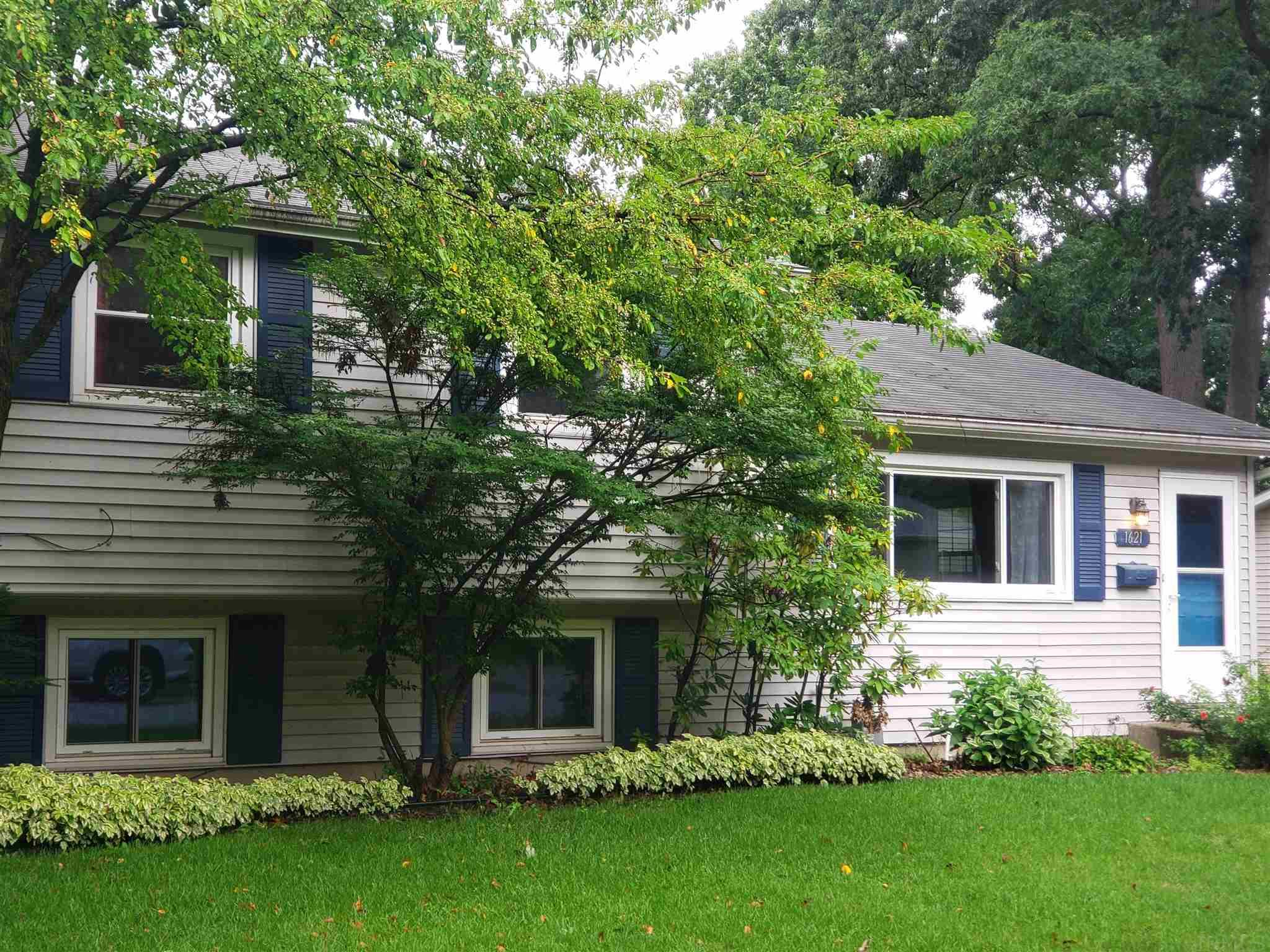 1621 Hass South Bend, IN 46635