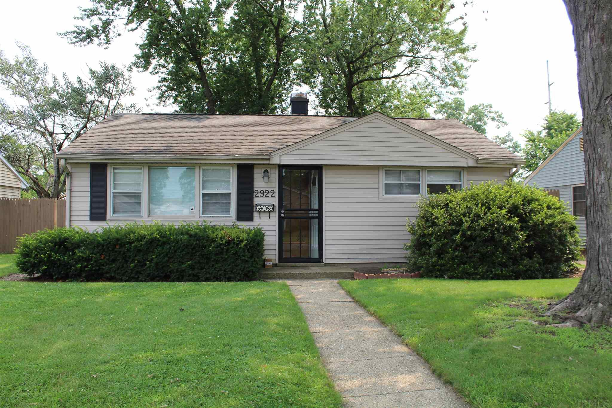 2922 Sunnymede South Bend, IN 46615